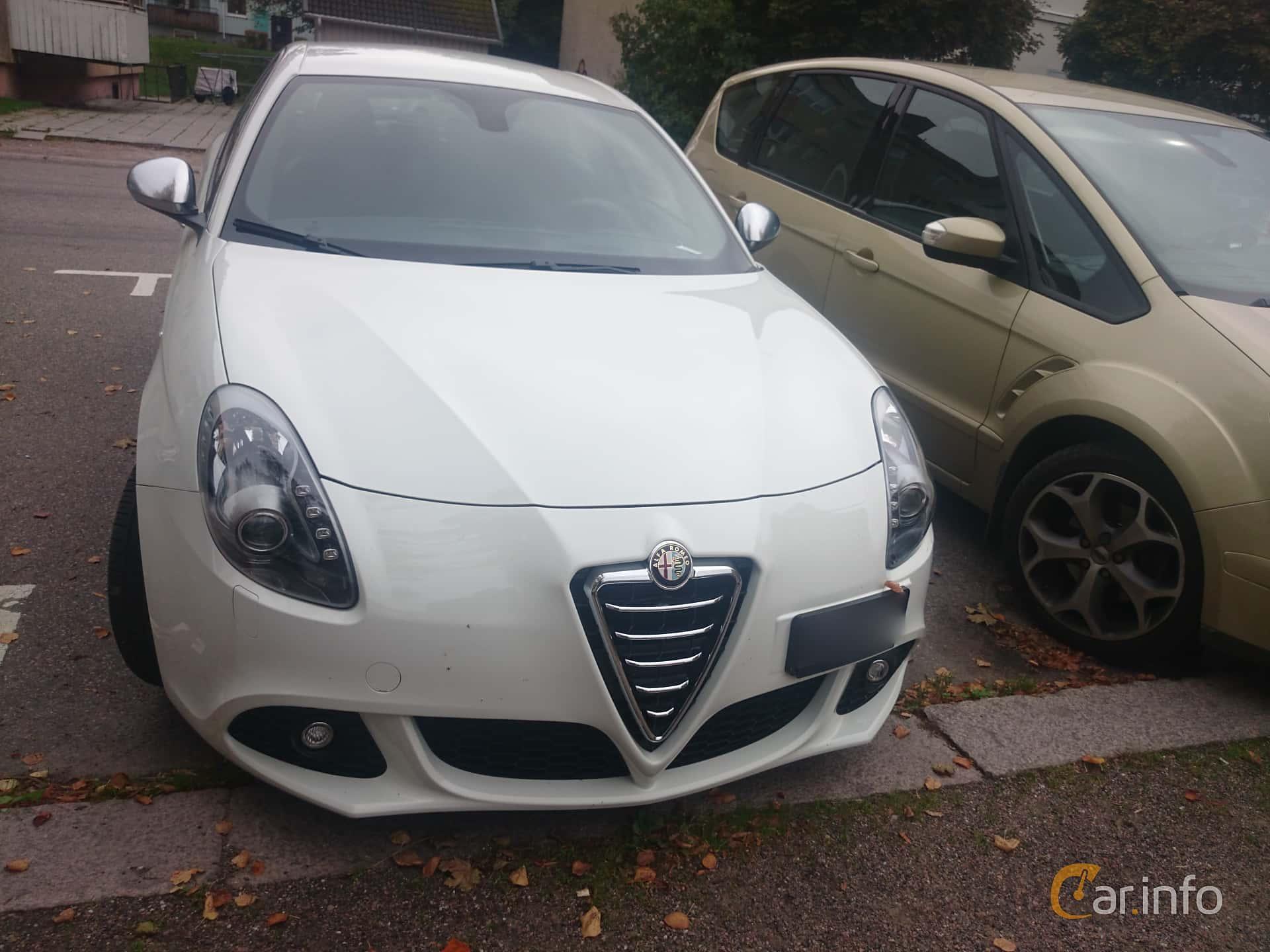 2 images of Alfa Romeo Giulietta 1 4 TB 16V MultiAir Manual 170hp