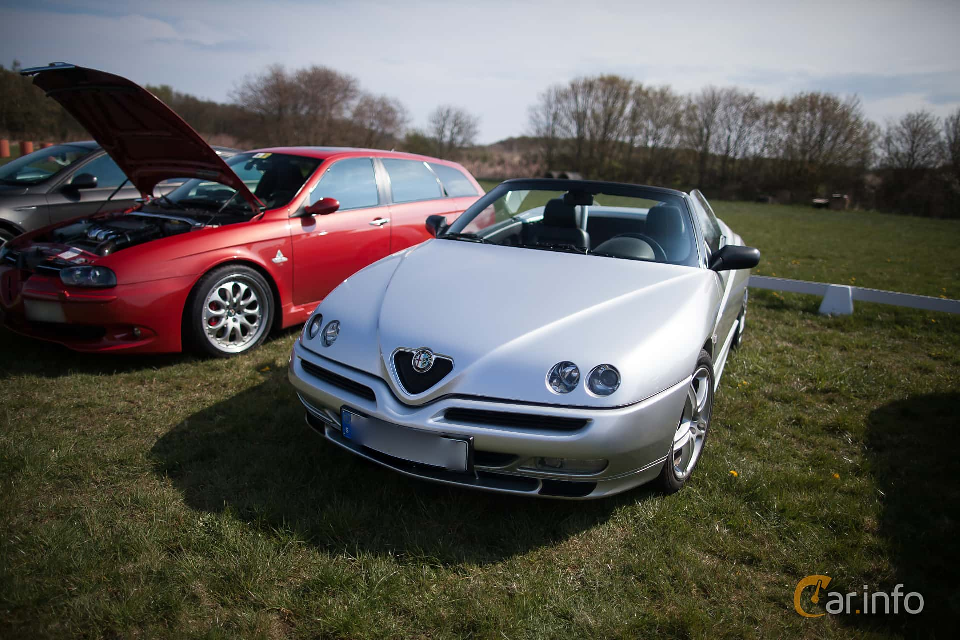 Front of Alfa Romeo Spider 3.0 V6 Manual, 218ps, 2002 at Italienska  Fordonsträffen -