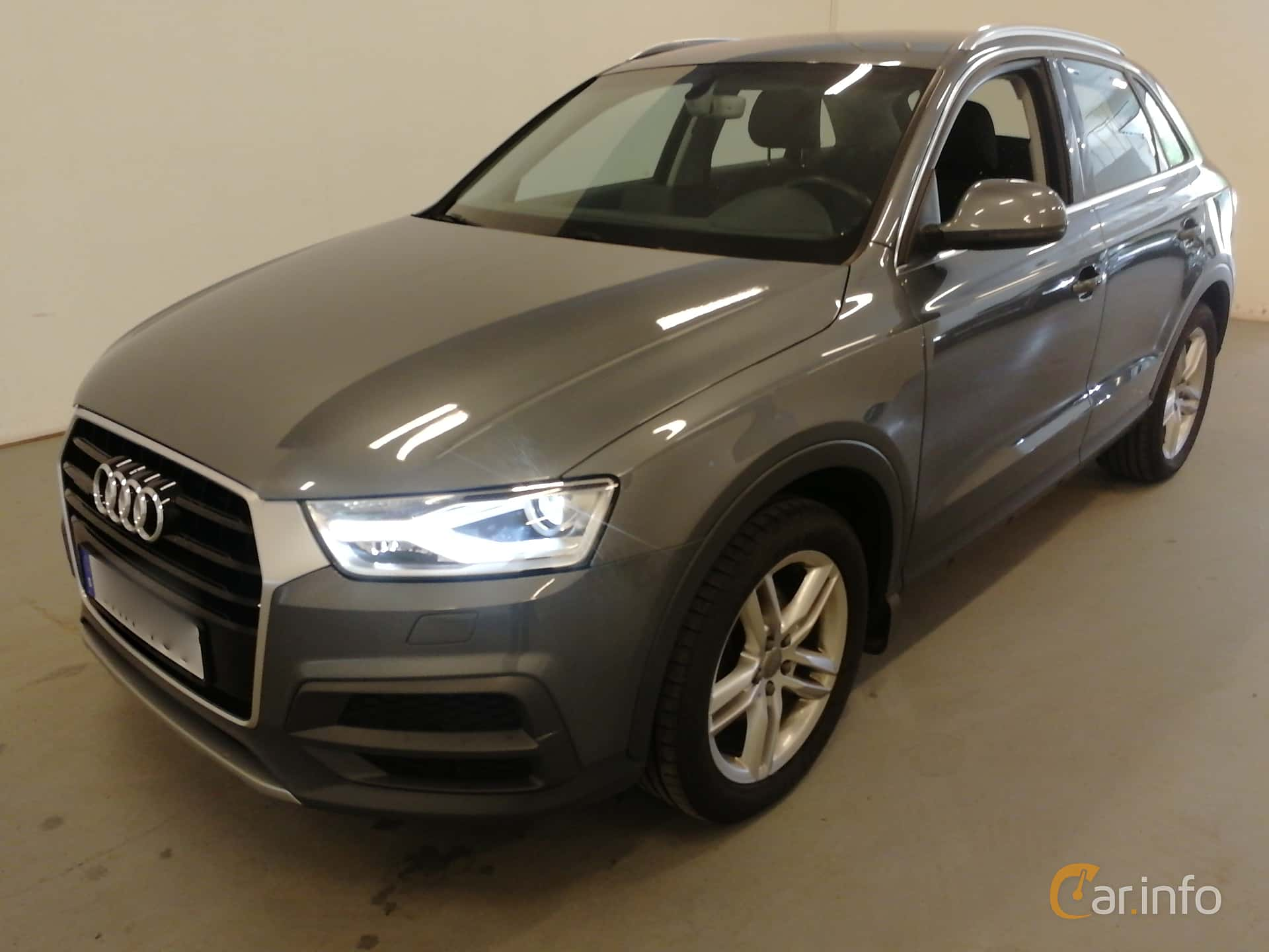Front/Side  of Audi Q3 2.0 TFSI quattro S Tronic, 180ps, 2016