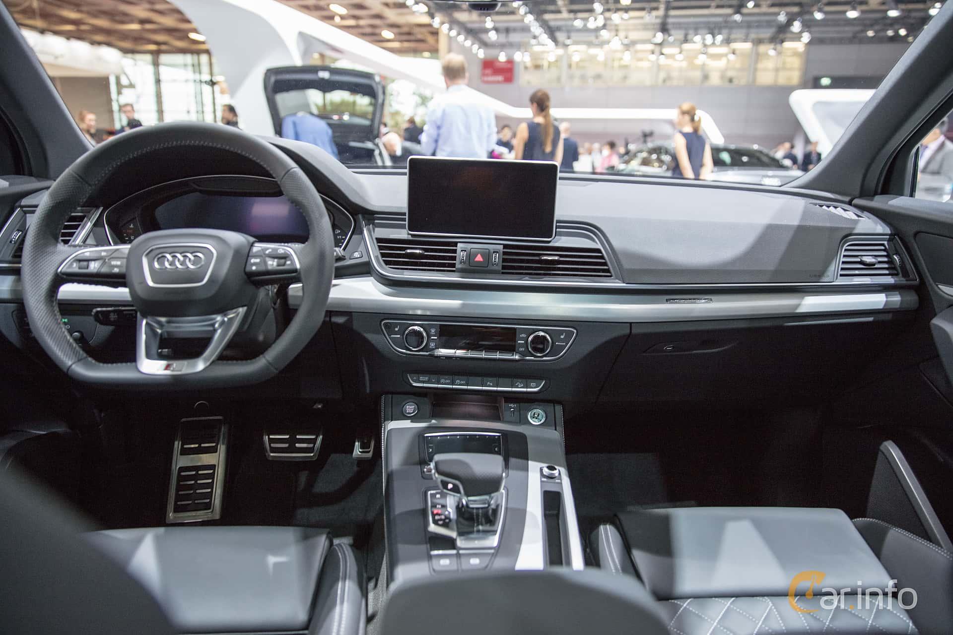 Audi Q5 2019 Interior Photos