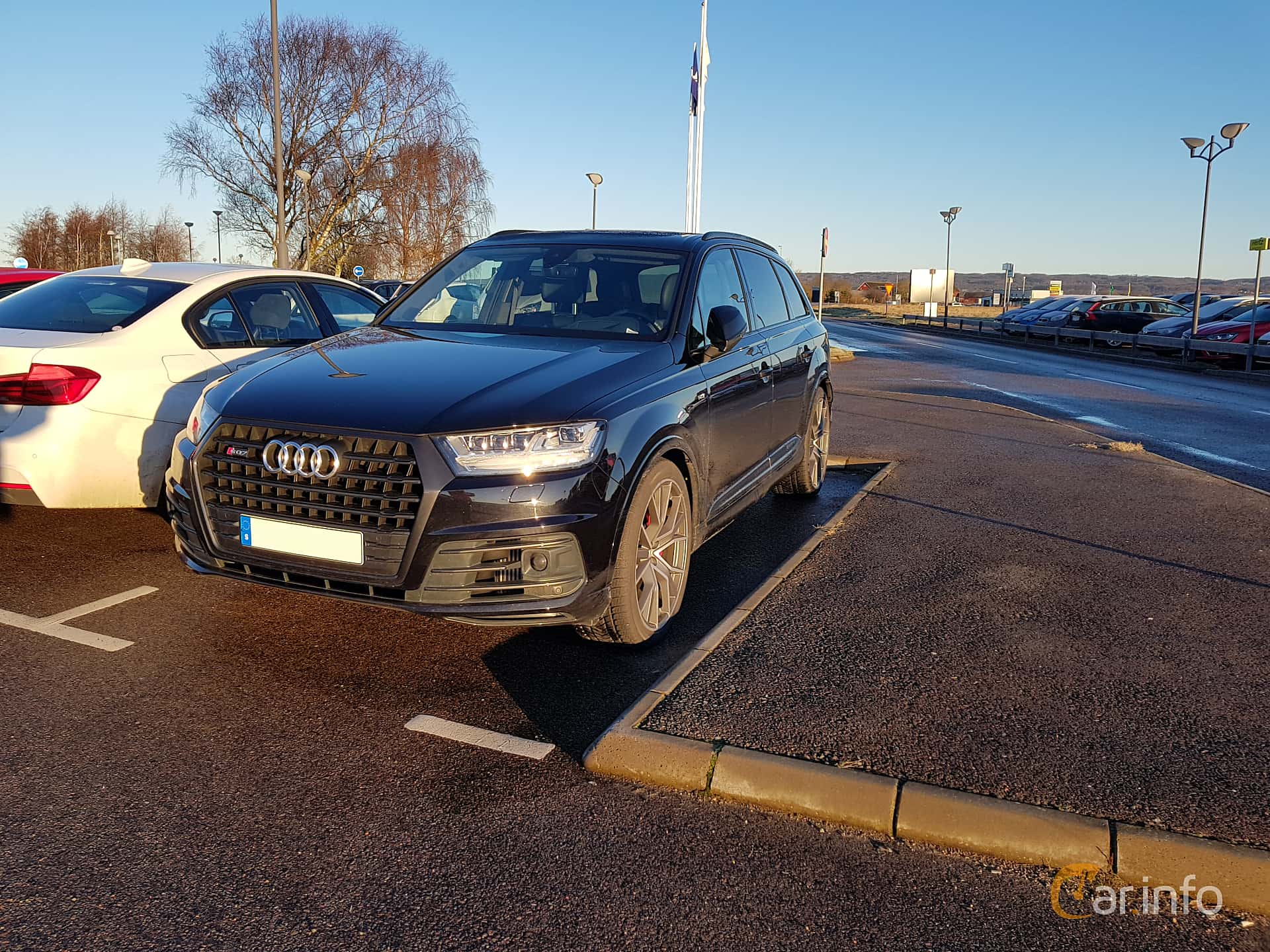 Front/Side  of Audi SQ7 4.0 TDI V8 quattro TipTronic, 435ps, 2017