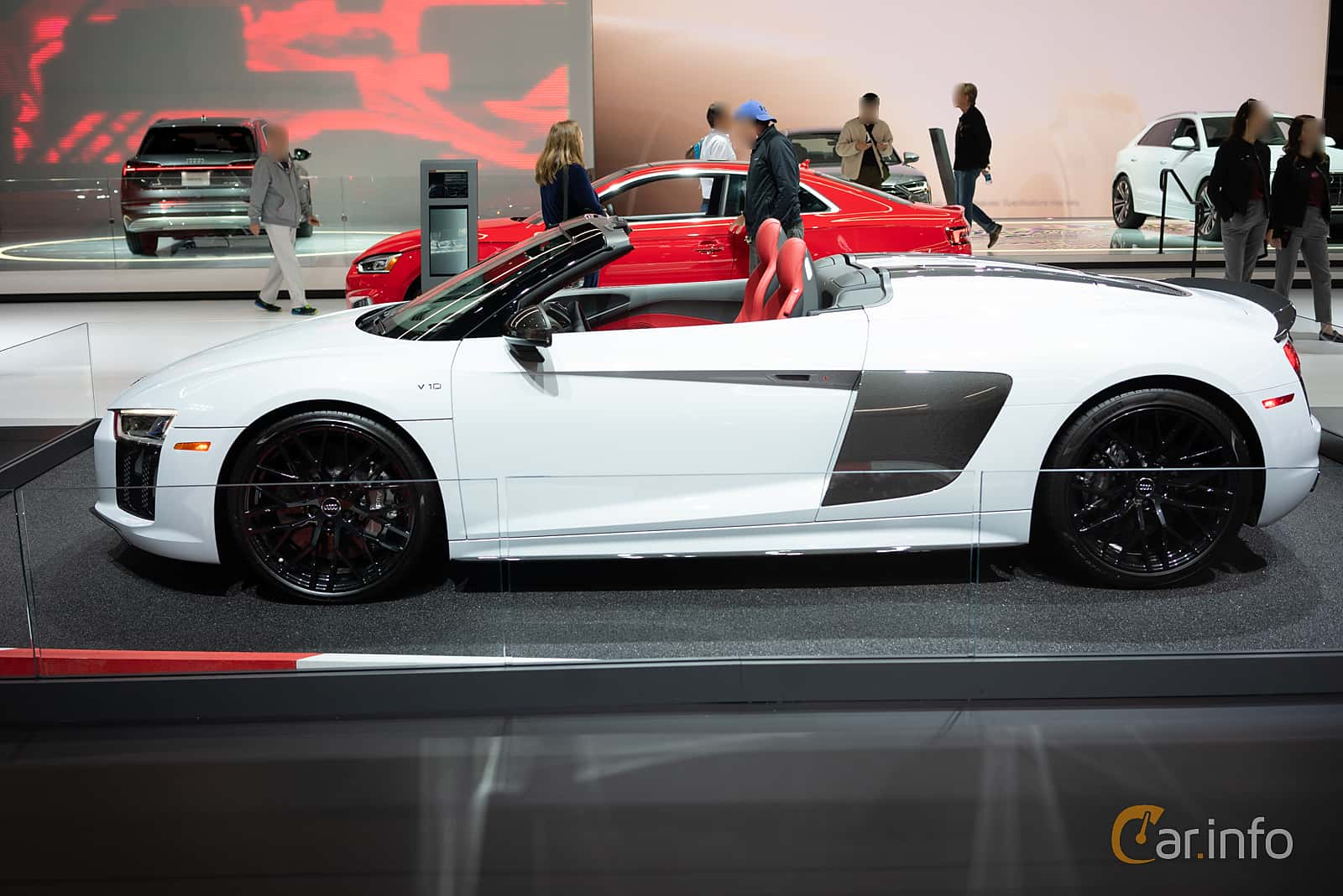Side  of Audi R8 Spyder V10 plus 5.2 V10 FSI quattro S Tronic, 610ps, 2018 at LA Motor Show 2018