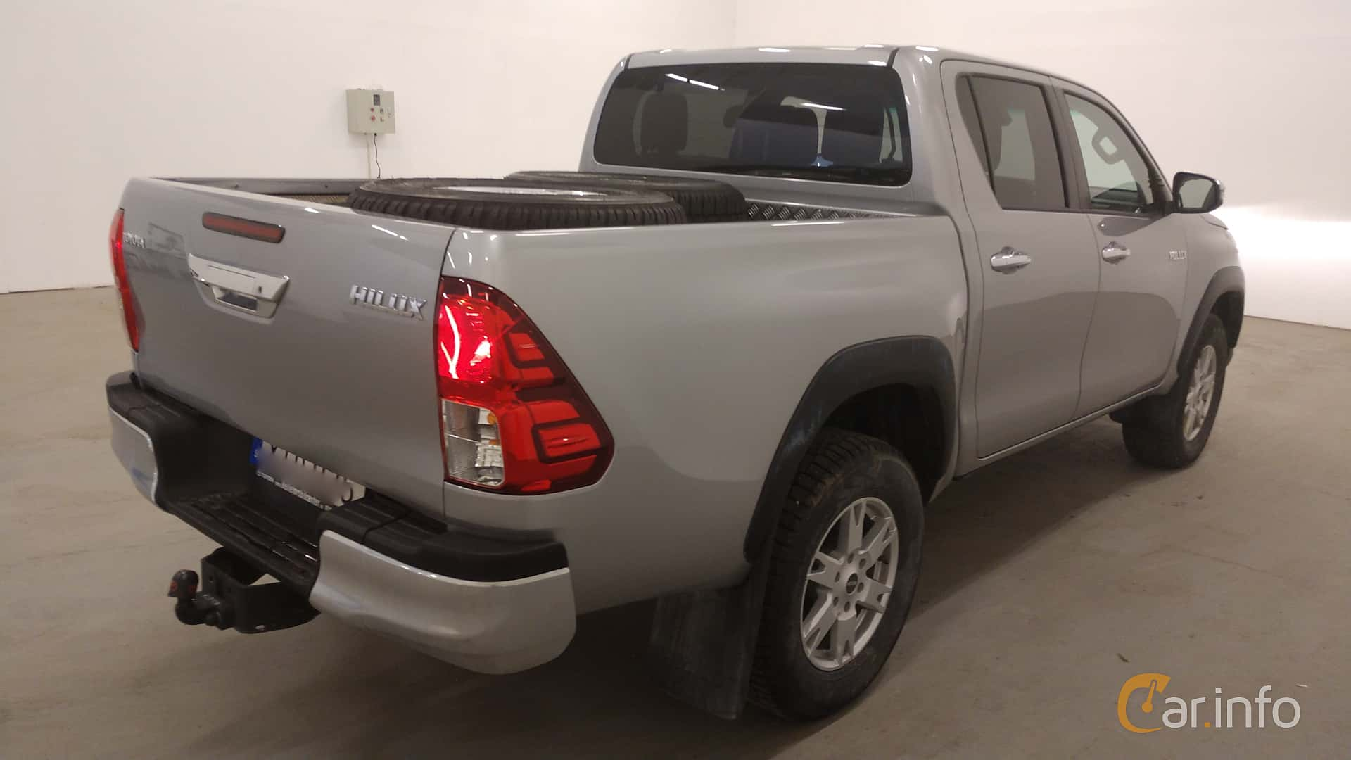 Toyota Hilux Double Cab 2.4 AWD Automatic, 150hp, 2018