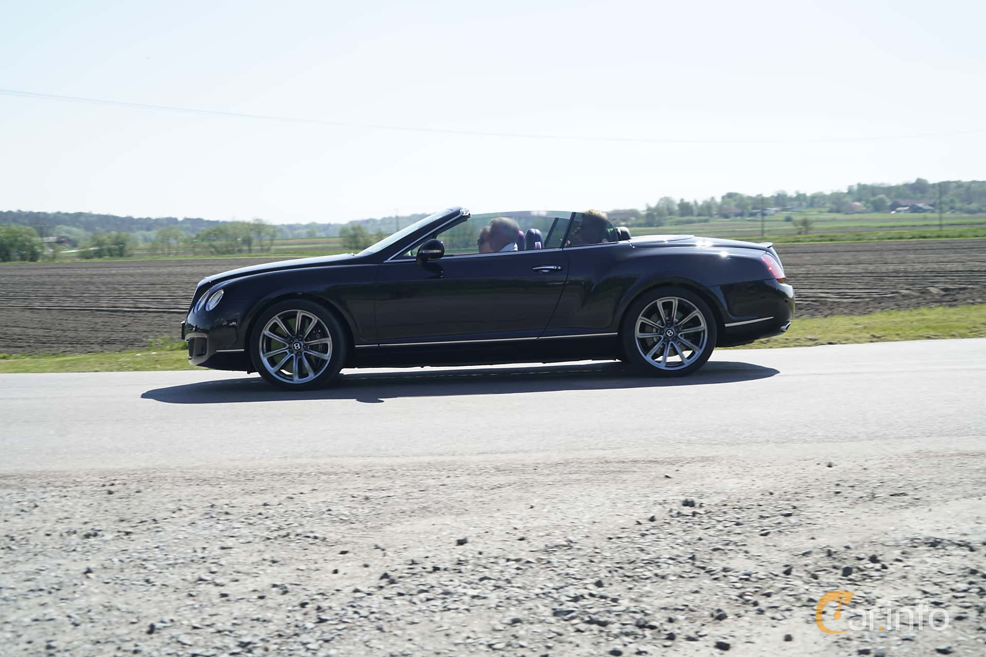 Side  of Bentley Continental GTC Speed 6.0 W12 Automatic, 610ps, 2010 at Tjolöholm Classic Motor 2017