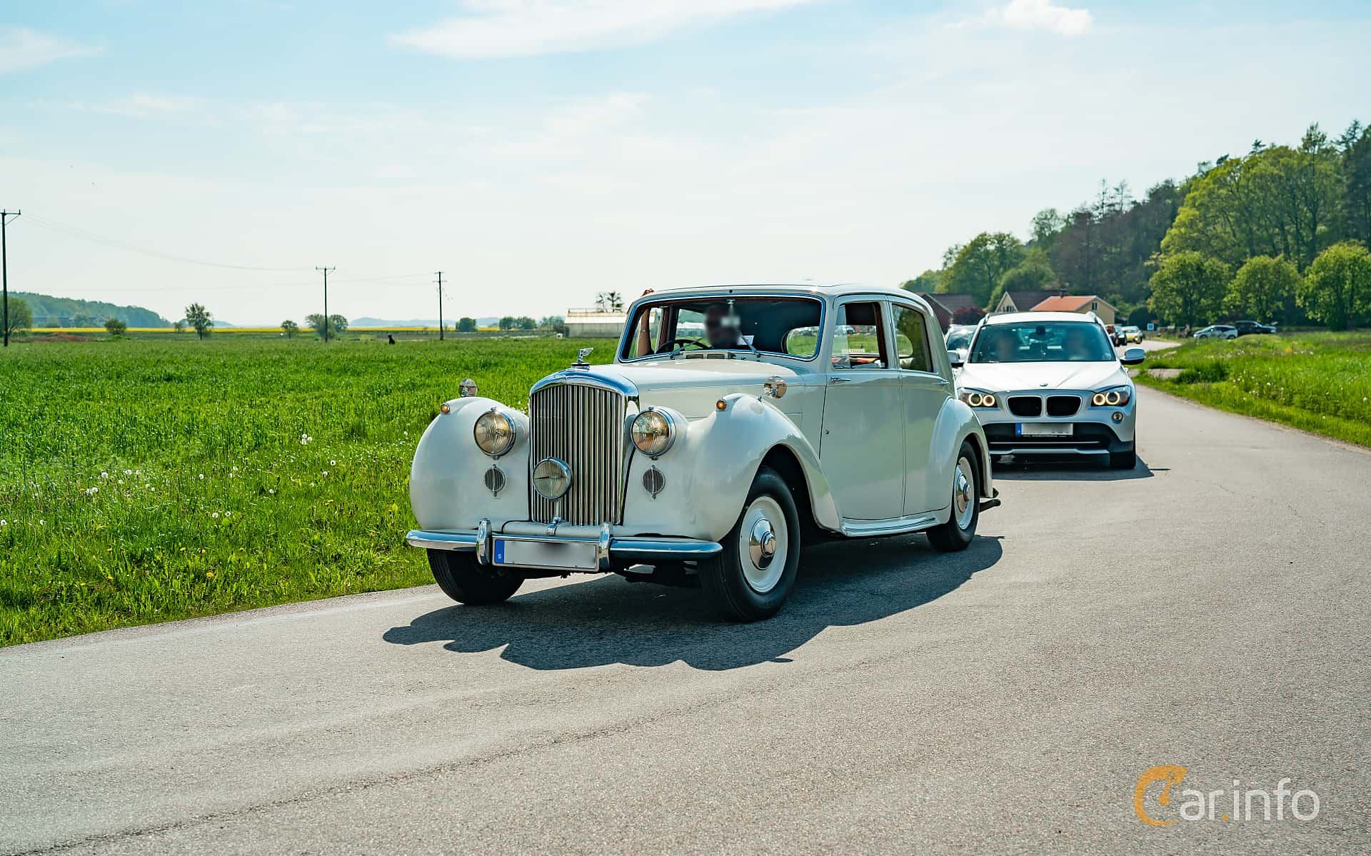 4 images of Bentley Mark VI 4 3 Manual, 130hp, 1947 by