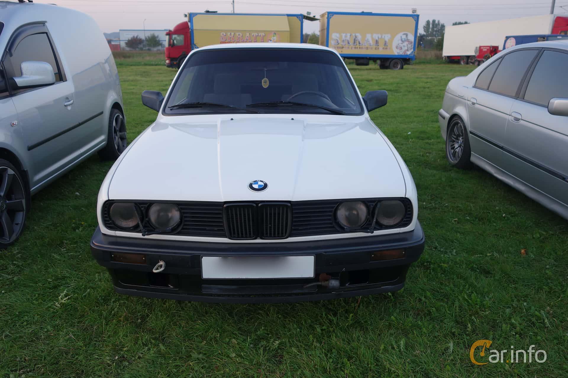 BMW 3 Series 4 Door Sedan E30