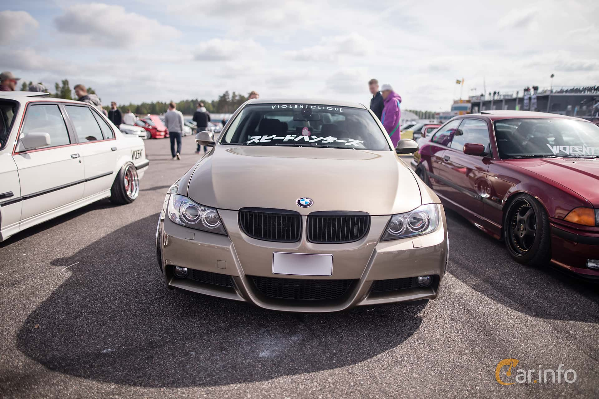 Front of BMW 320i Sedan Manual, 150ps, 2006 at Bimmers of Sweden @ Mantorp