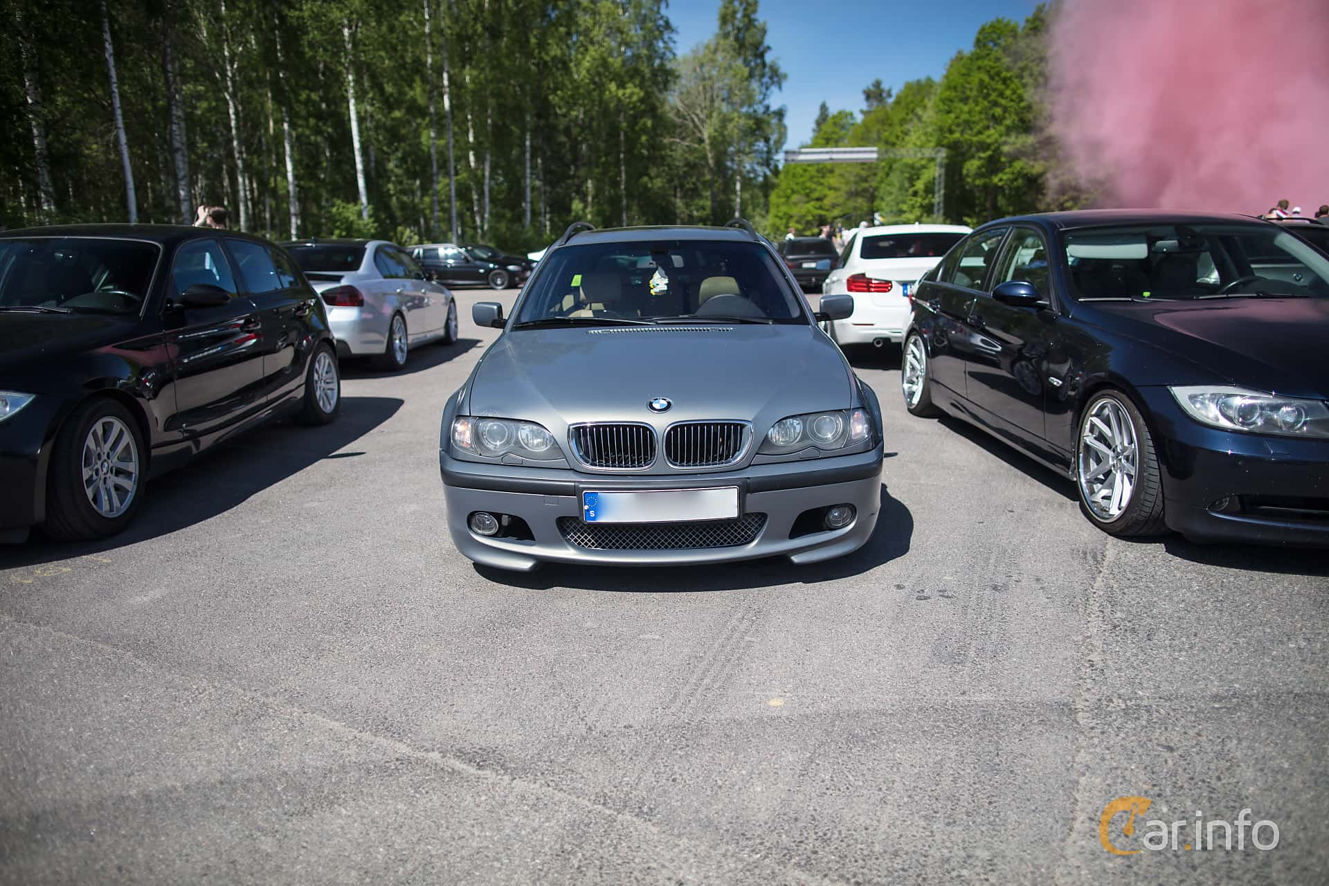 Front of BMW 330d Touring Manual, 184ps, 2002 at Bimmers of Sweden @ Mantorp