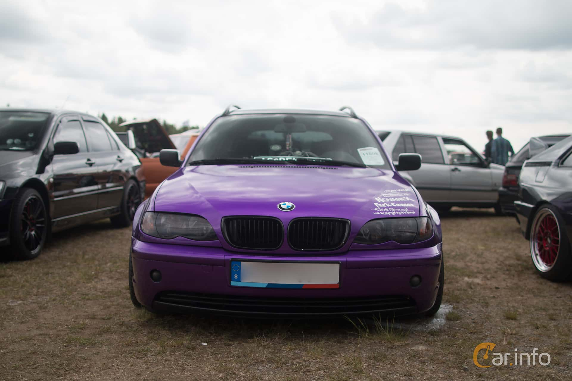 Front of BMW 325i Touring Manual, 192ps, 2002 at EDPS Emmaboda 2016