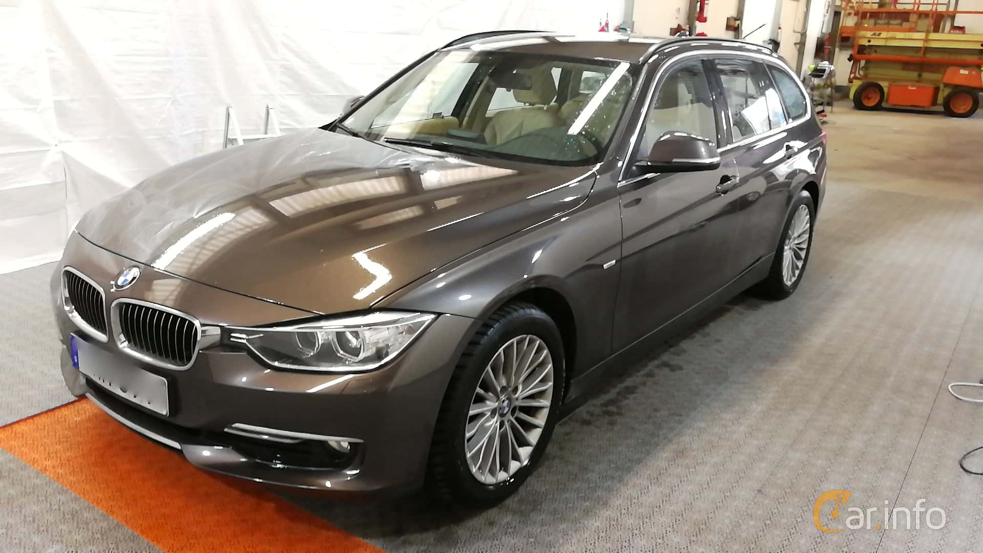 BMW 318d Touring Manual, 143hp, 2015