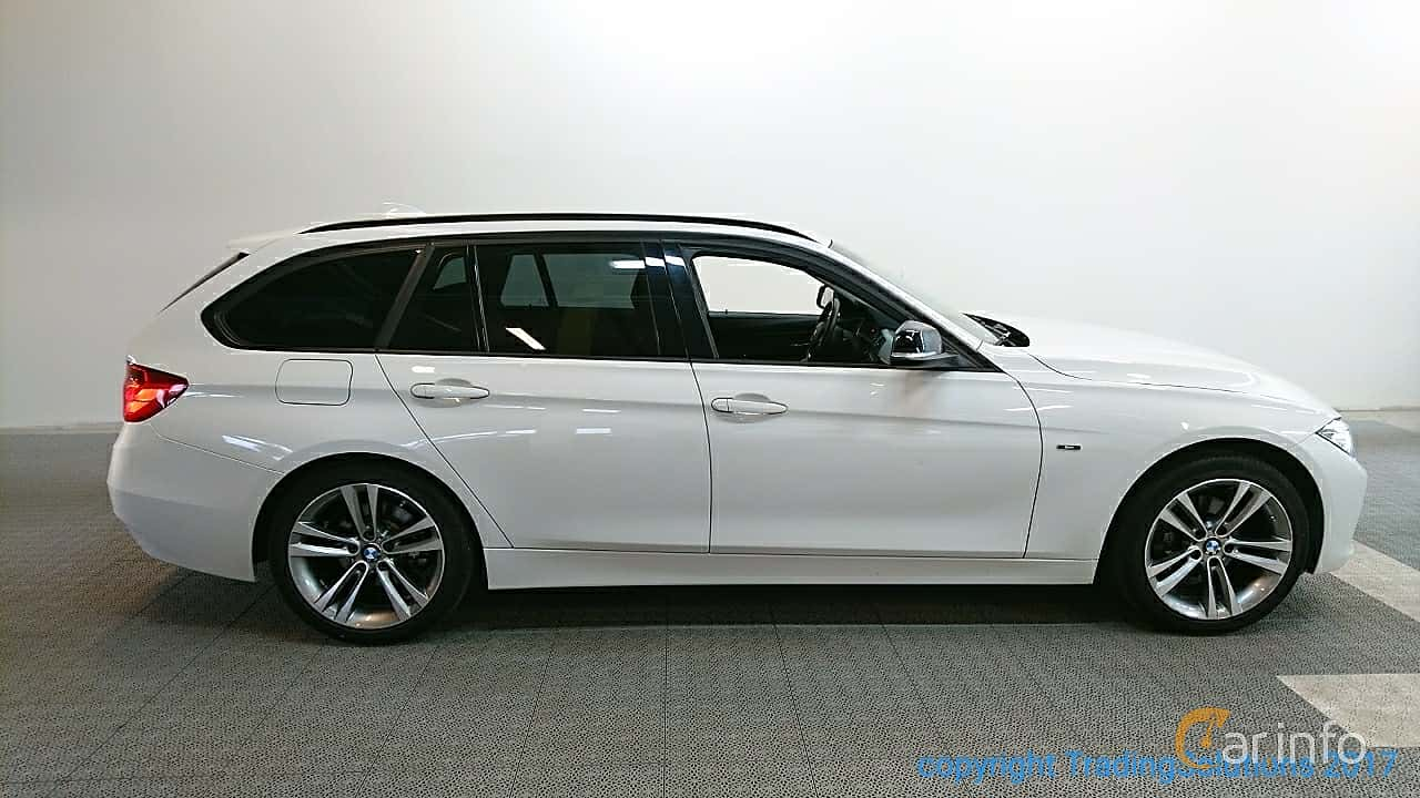 Side of BMW 318d xDrive Touring Manual, 143ps, 2015