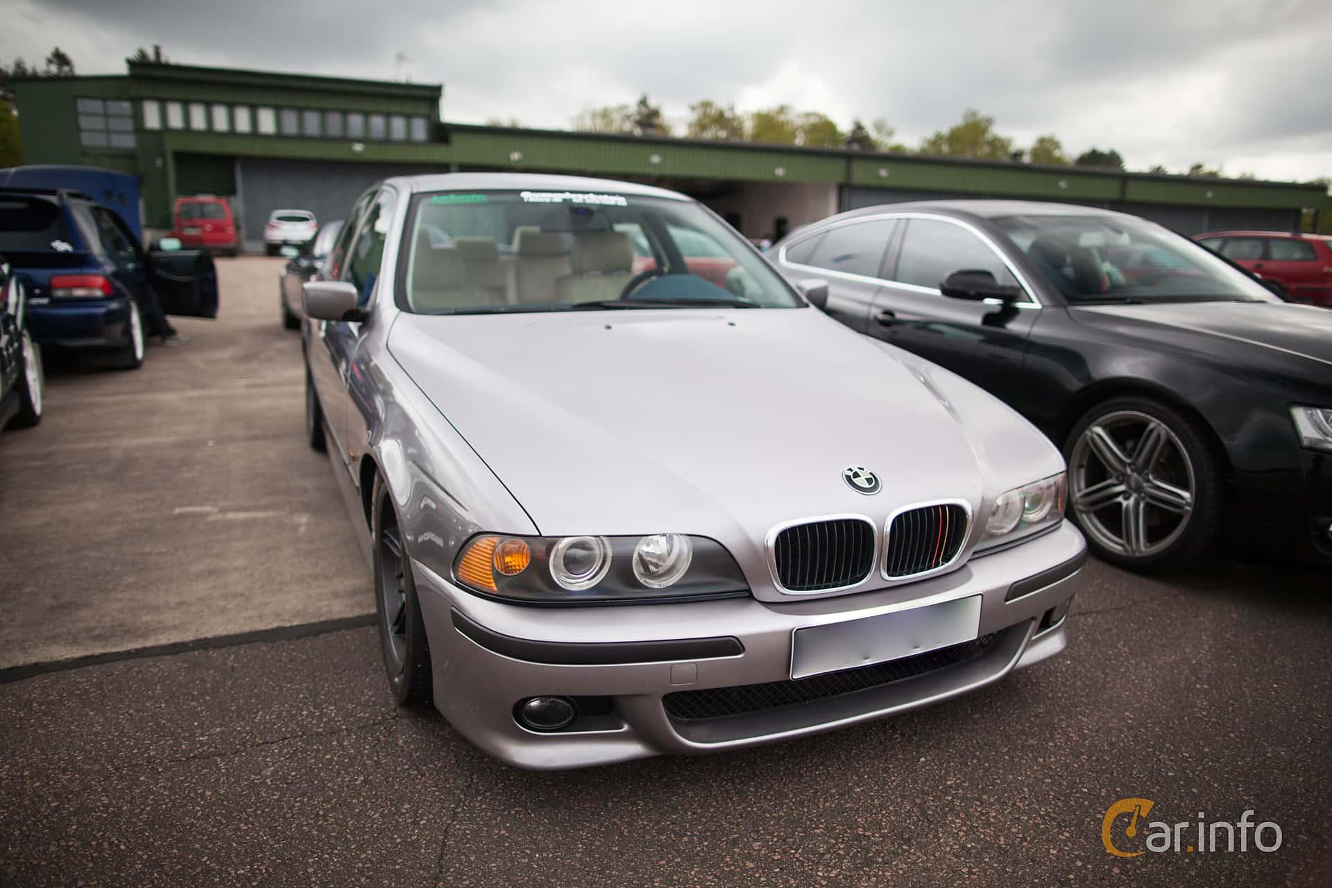Front of BMW 523i Sedan Manual, 170ps, 1996 at JapTuning Trackday 2015  Ljungbyhed
