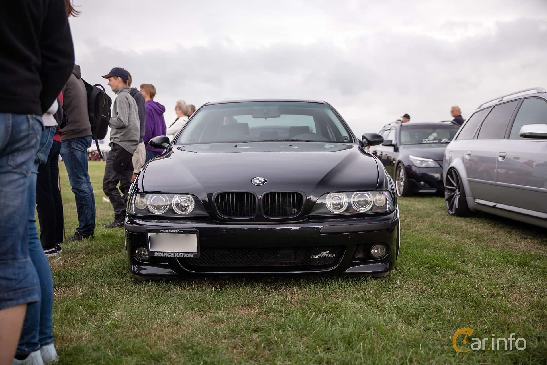 Front of BMW 528i Sedan Manual, 193ps, 1998 at Vallåkraträffen 2018