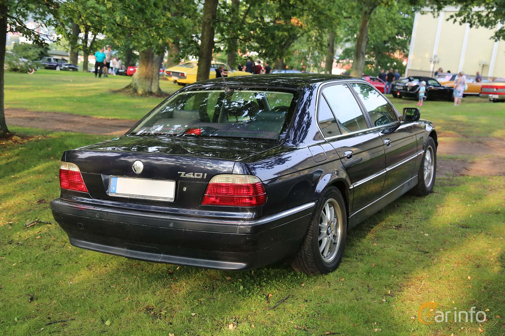 BMW 740i  Automatic, 286hp, 1995 at Bil & MC-träffar i Huskvarna Folkets Park 2019 Amerikanska fordon