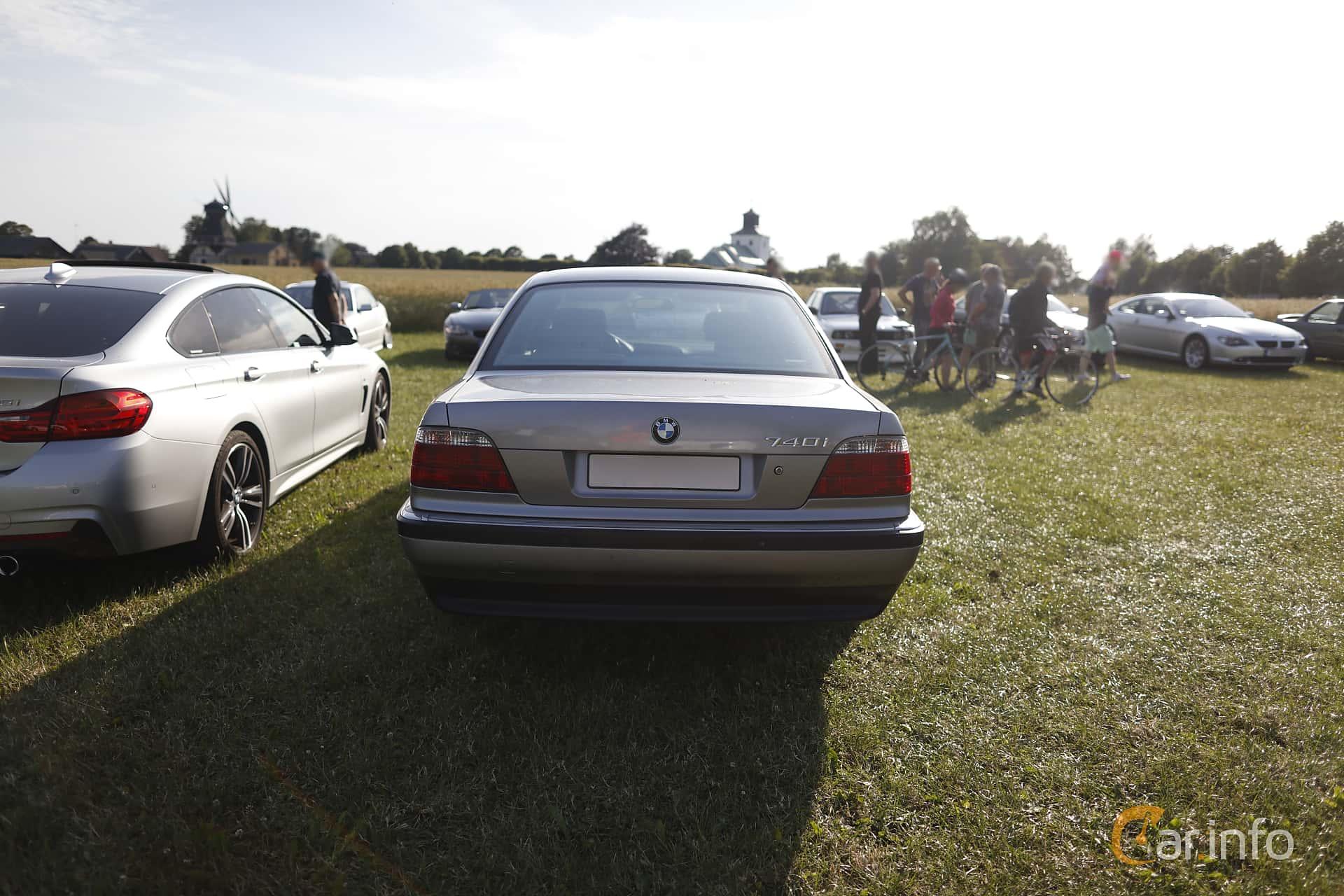 BMW 740i  Automatic, 286hp, 1995 at Tisdagsträffarna Vikingatider 2019 vecka 26