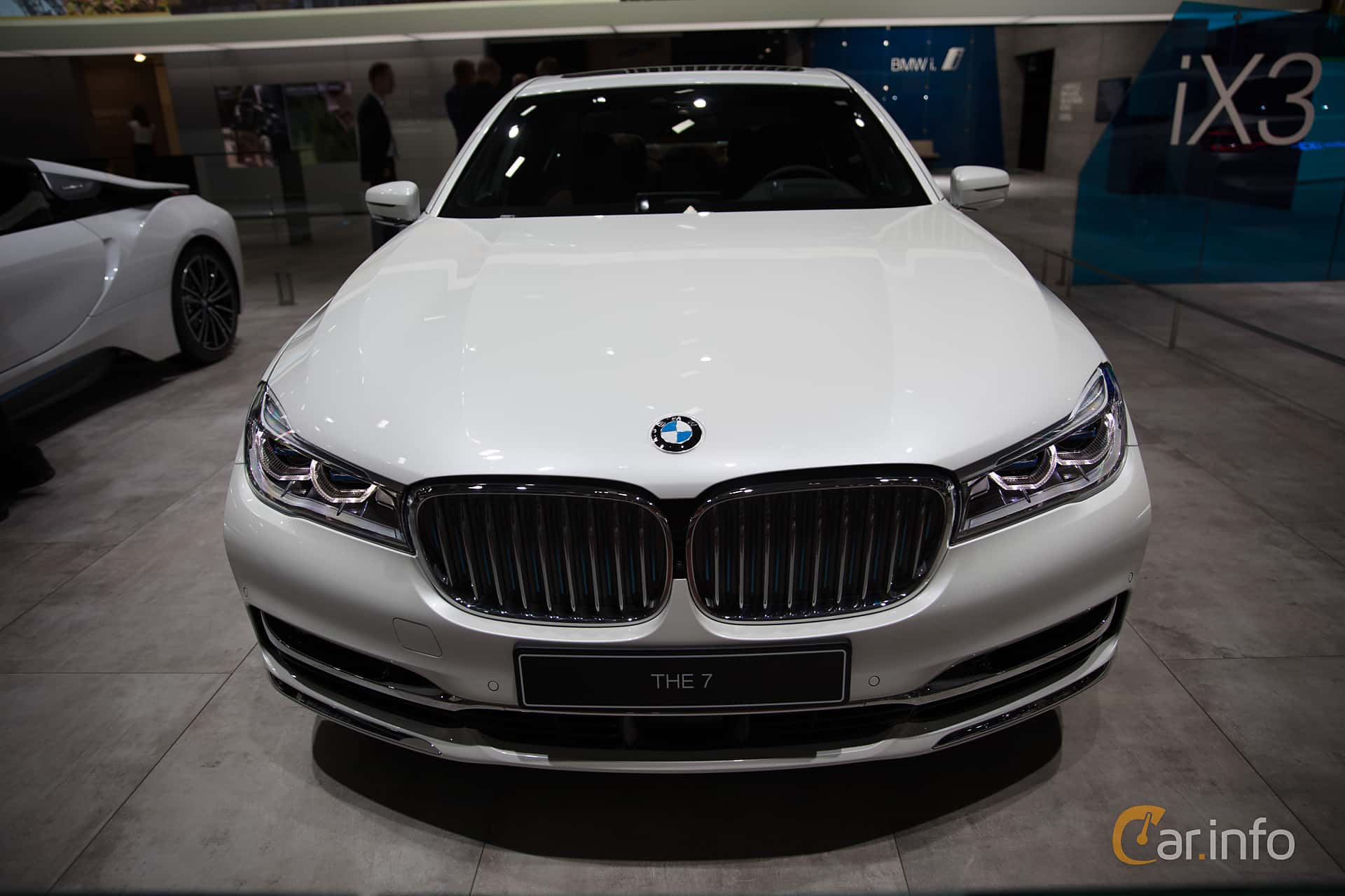 Front  of BMW 740e  Steptronic, 326ps, 2019 at Paris Motor Show 2018