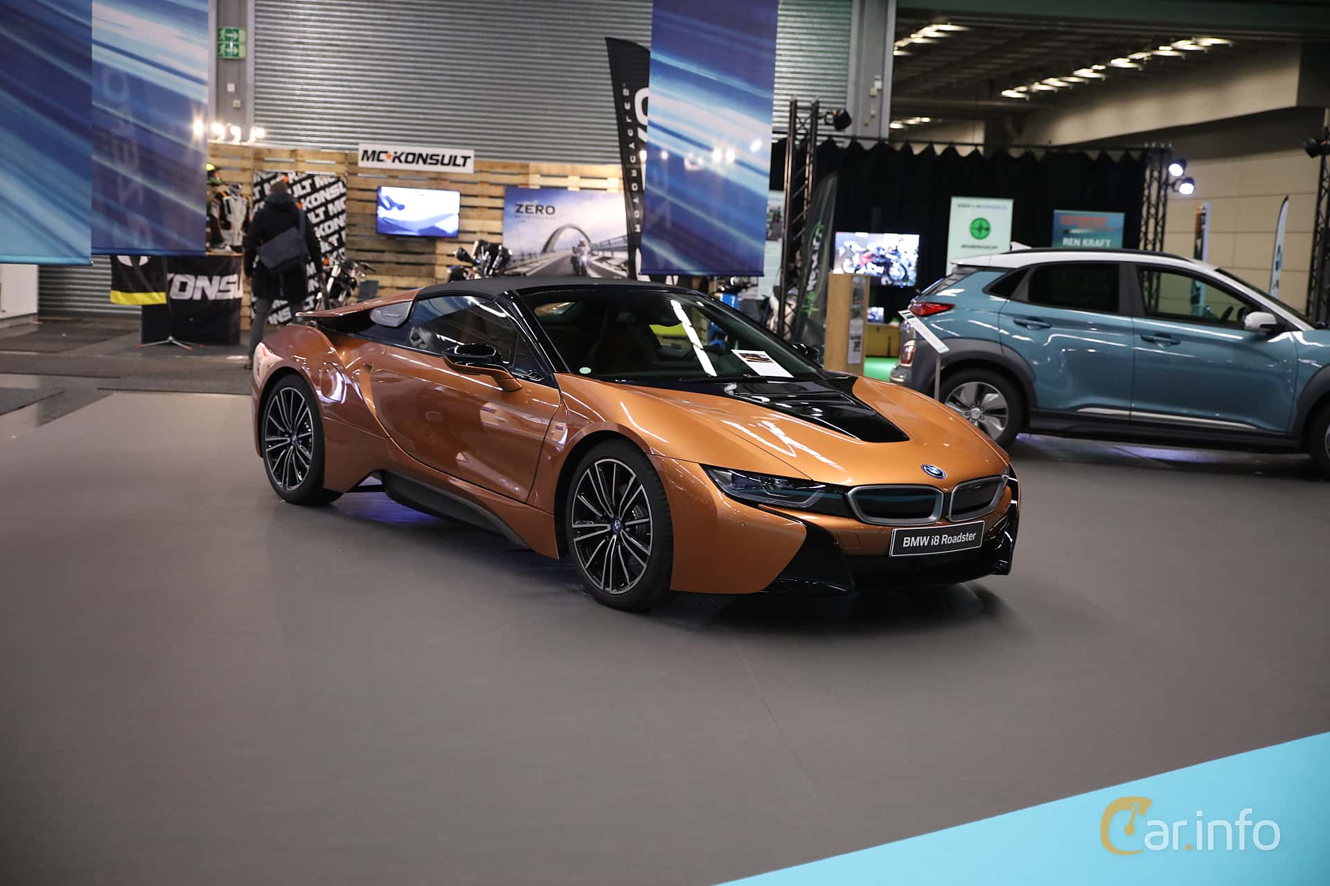 Front/Side  of BMW i8 Roadster 1.5 + 11.6 kWh Steptronic, 374ps, 2019 at eCar Expo Göteborg 2018