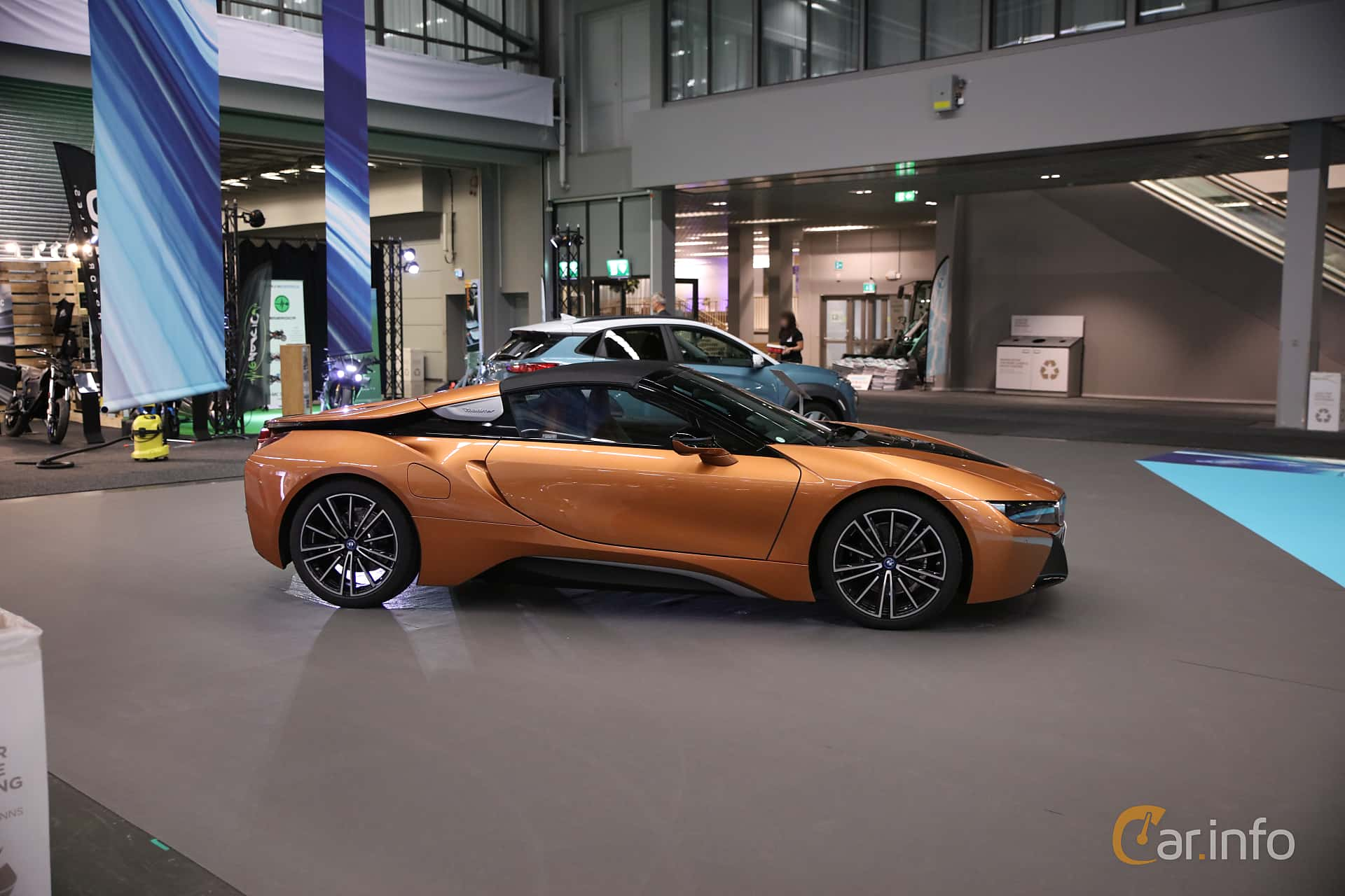 Side  of BMW i8 Roadster 1.5 + 11.6 kWh Steptronic, 374ps, 2019 at eCar Expo Göteborg 2018