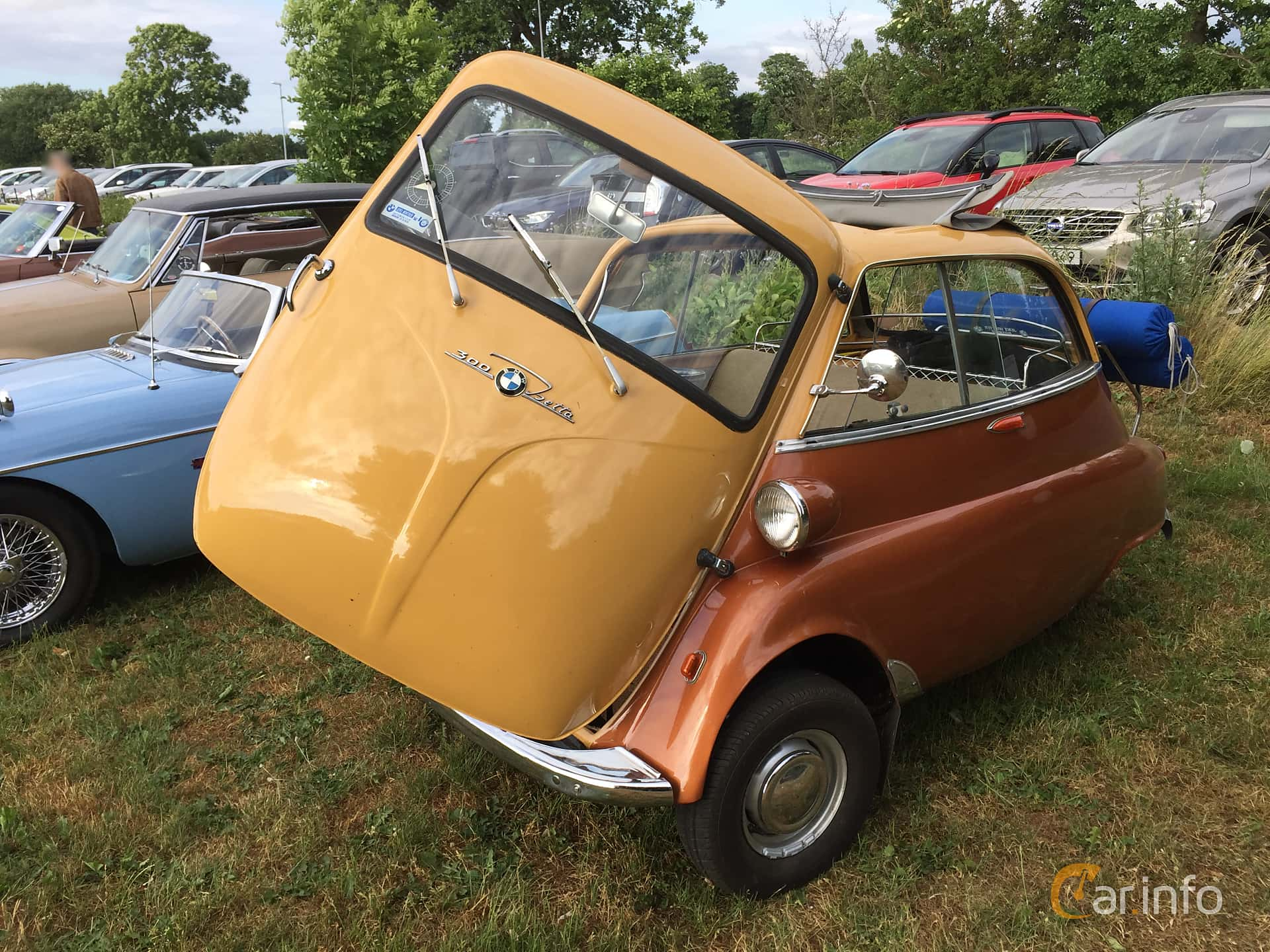 BMW Isetta 300  Manual, 14hp, 1960 at Höganäs Fly & Drive 2018 v.24