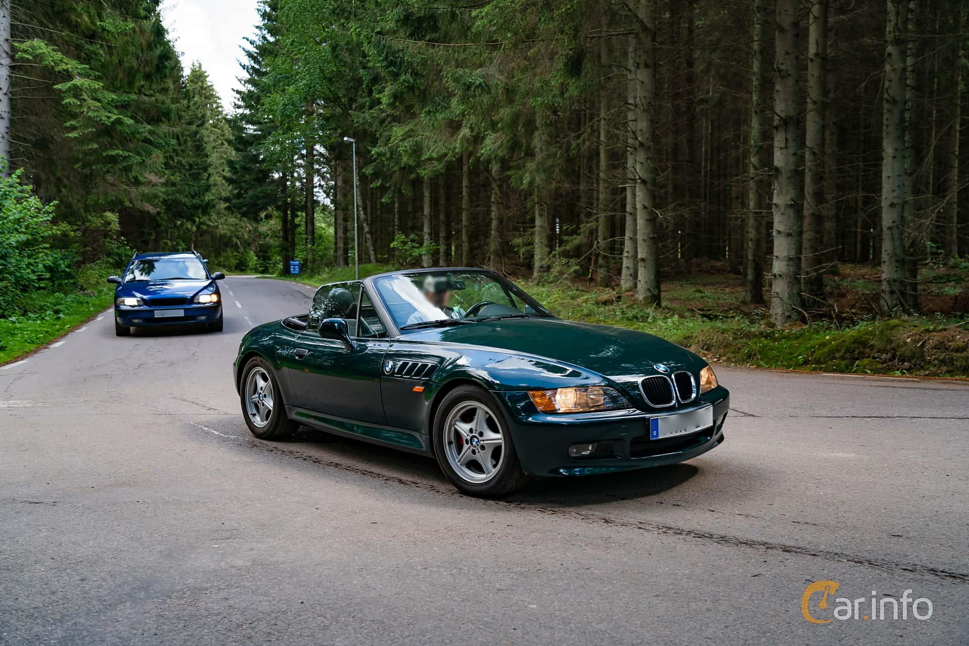 Front/Side  of BMW Z3 1.9 Roadster  Manual, 140ps, 1996 at Svenskt sportvagnsmeeting 2019