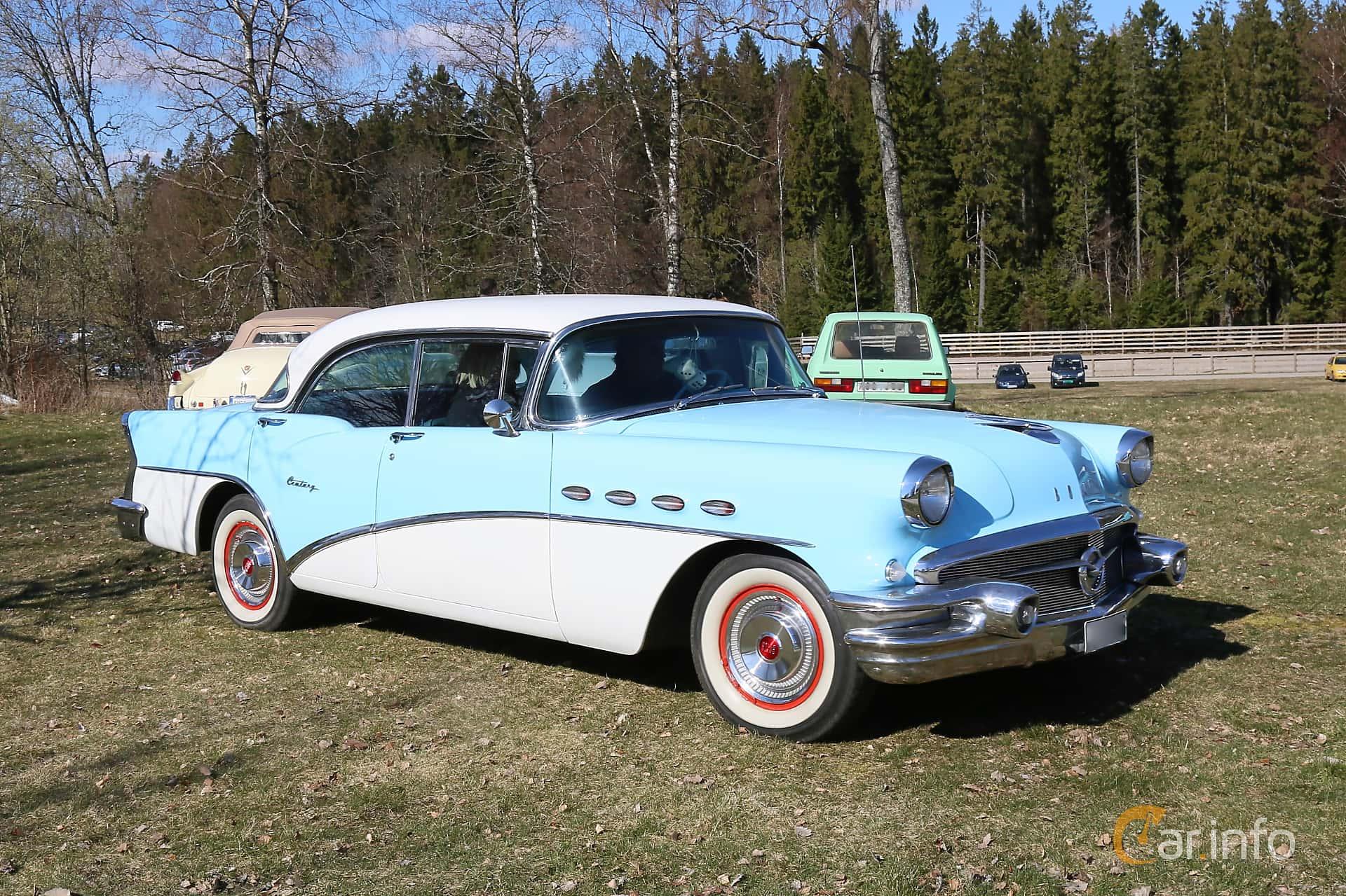 Buick Century 4-door Riviera 5.3 V8 Automatic, 259hp, 1956 at Uddevalla Veteranbilsmarknad Backamo, Ljungsk 2019