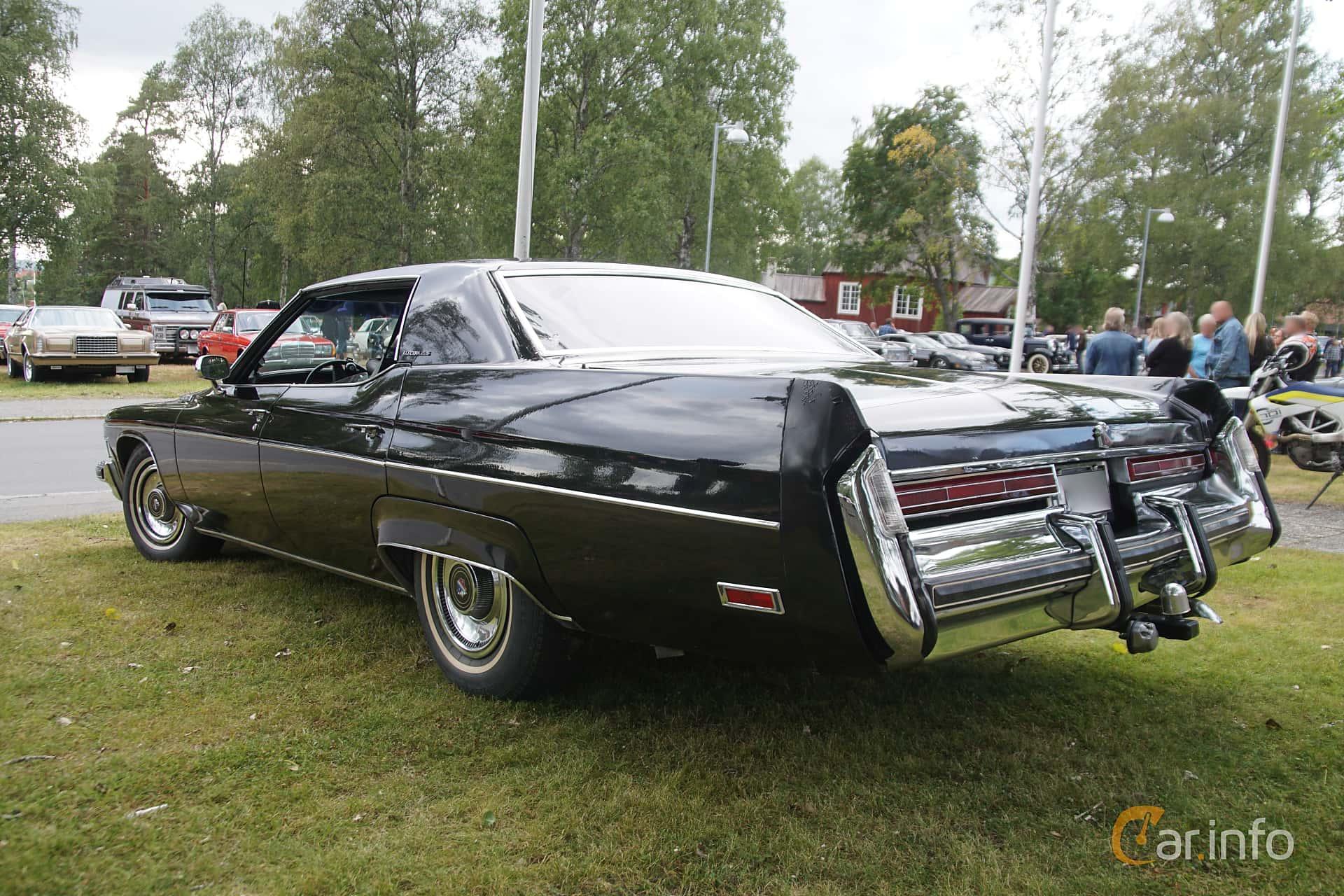 Back/Side of Buick Electra 225 Custom Hardtop Sedan 7.5 V8 Hydra-Matic, 213ps, 1974 at Onsdagsträffar på Gammlia Umeå 2019 vecka 32
