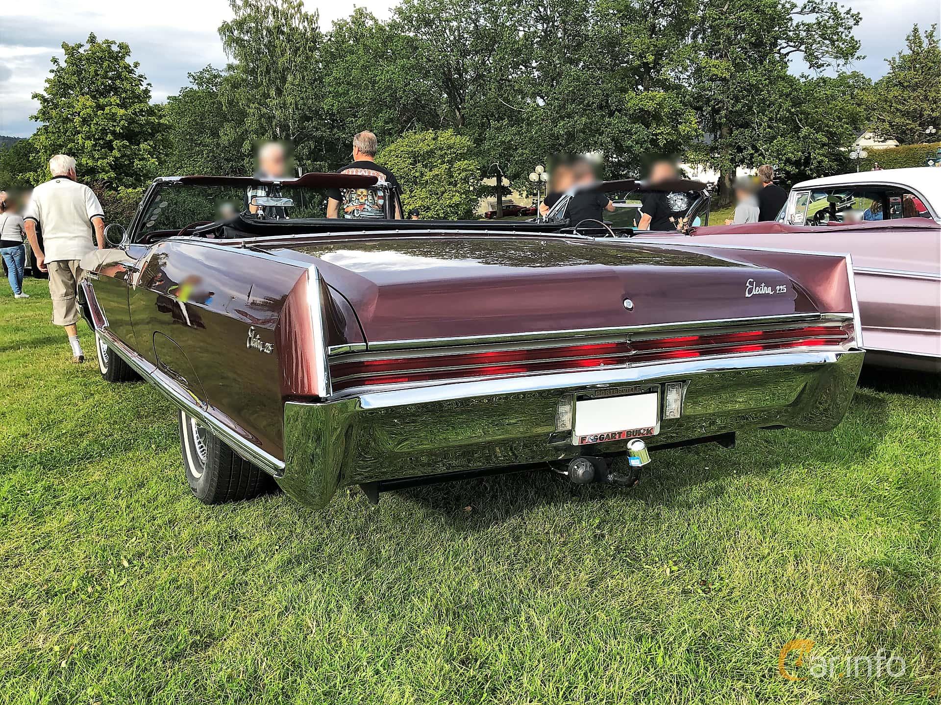 Buick Electra 225 Custom Convertible 7.0 V8 Automatic, 345hp, 1966 at Bil & MC-träffar i Huskvarna Folkets Park 2019 vecka 32 tema Hot Rods