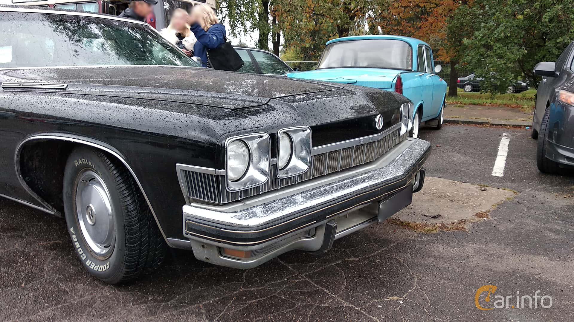 Buick LeSabre Hardtop Sedan 1974 at Old Car Land no.2 2018