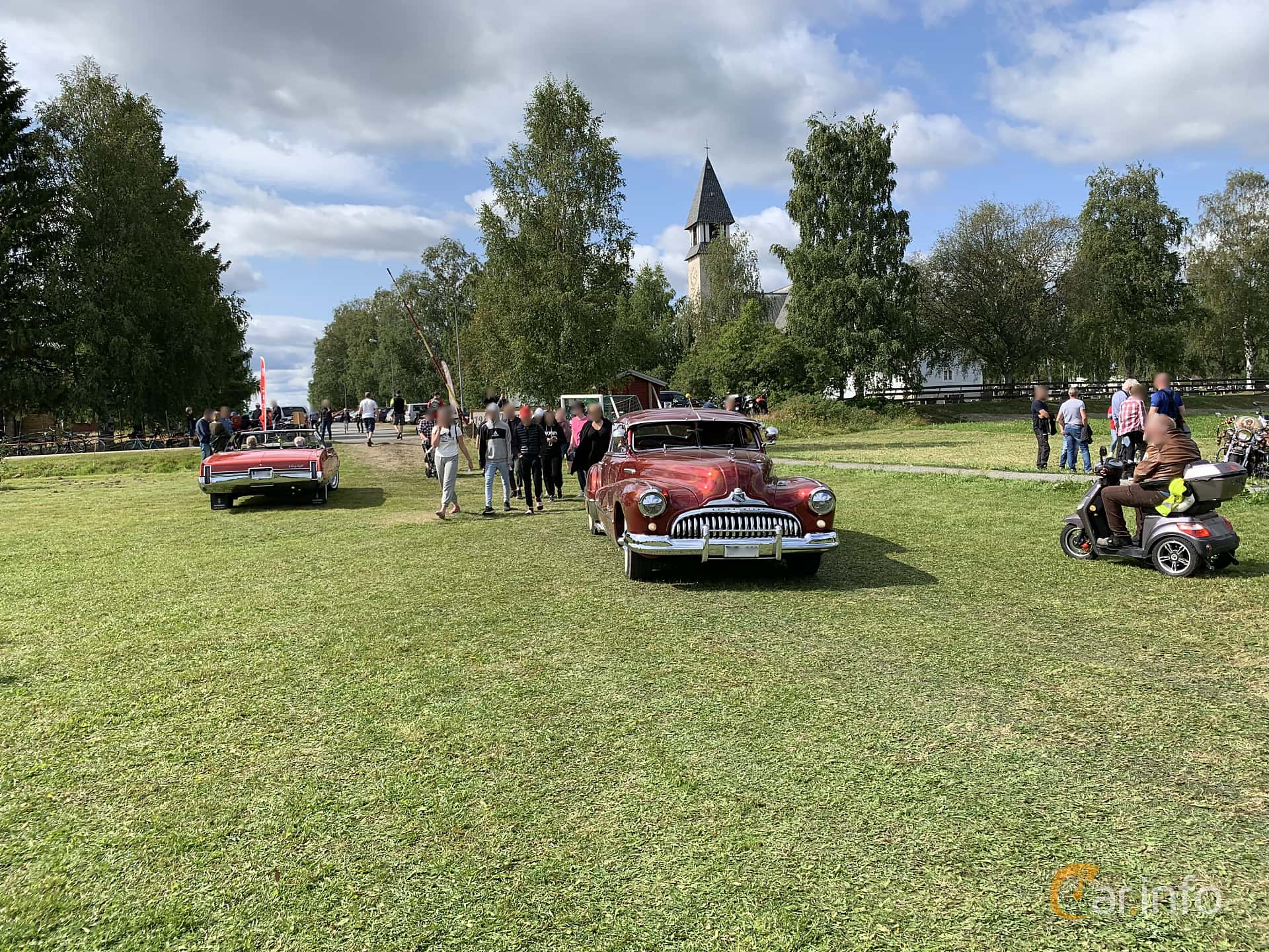 Buick Roadmaster Sedanet 5.2 Manual, 146hp, 1947 at Cageswamp Summer Meet Burträsk 2019