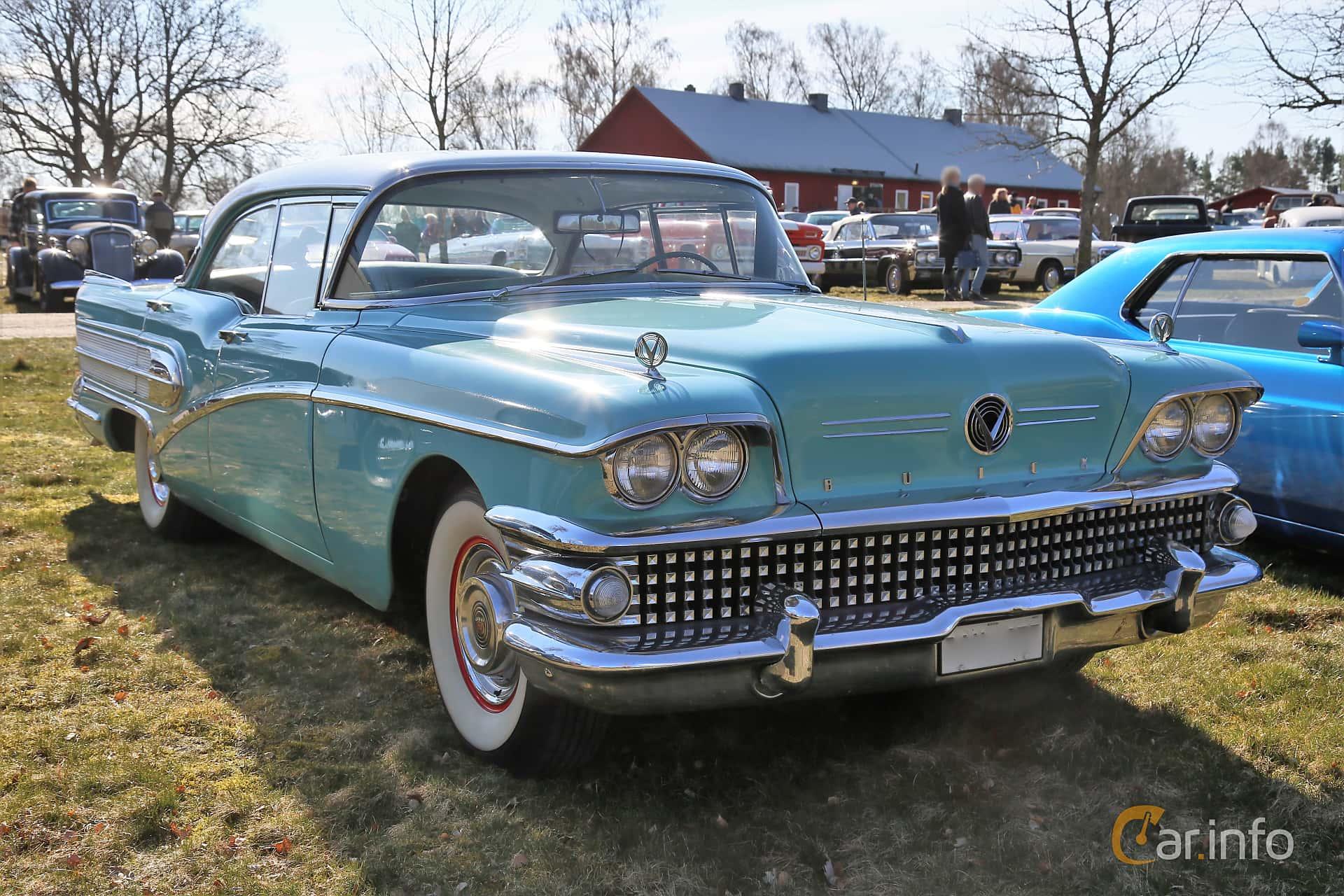 Buick Special 4-door Riviera 6.0 V8 Automatic, 254hp, 1958 at Uddevalla Veteranbilsmarknad Backamo, Ljungsk 2019