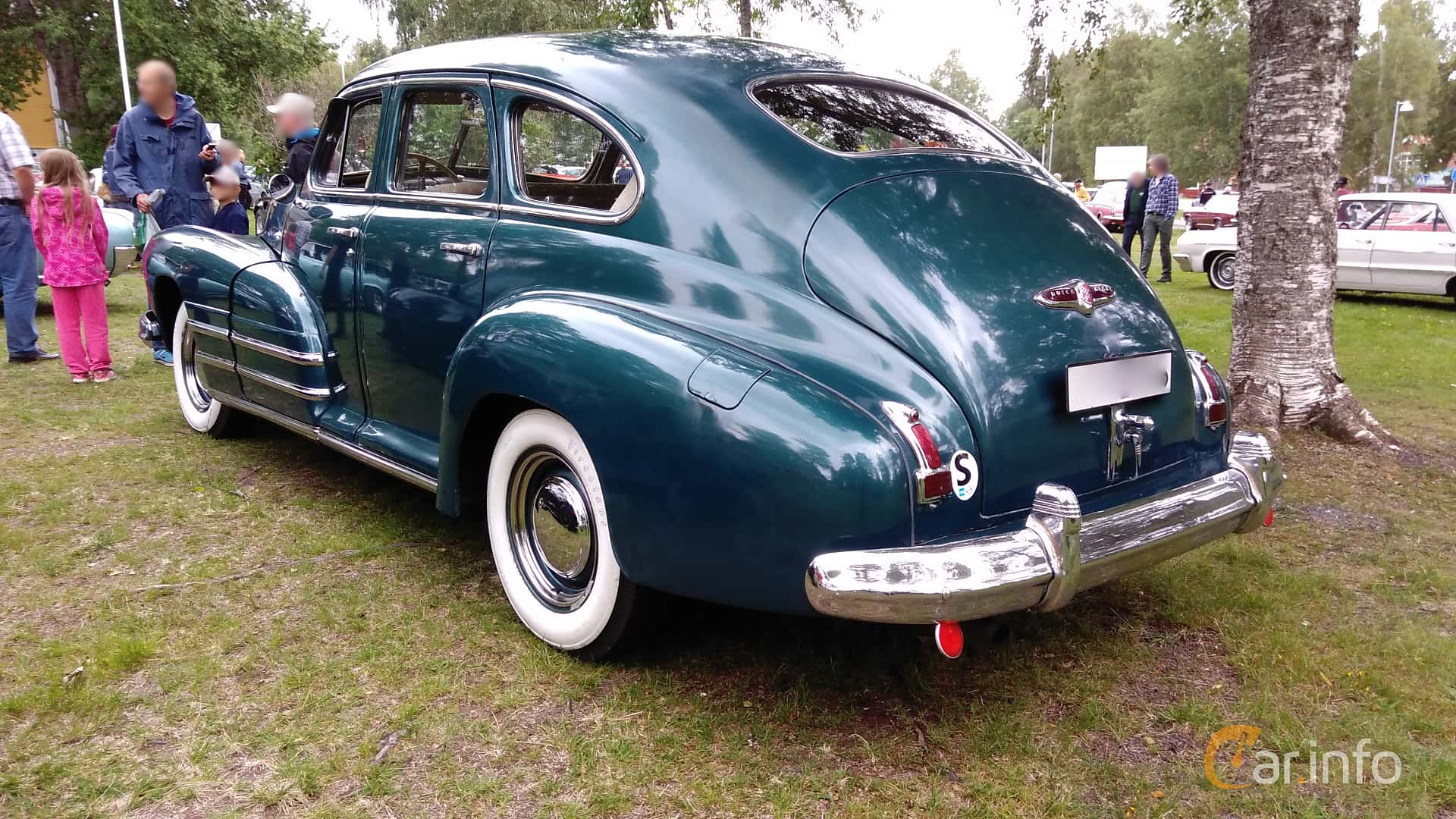 Back/Side of Buick Special Sedan 4.1 Manual, 112ps, 1947 at Onsdagsträffar på Gammlia v.32 / 2017