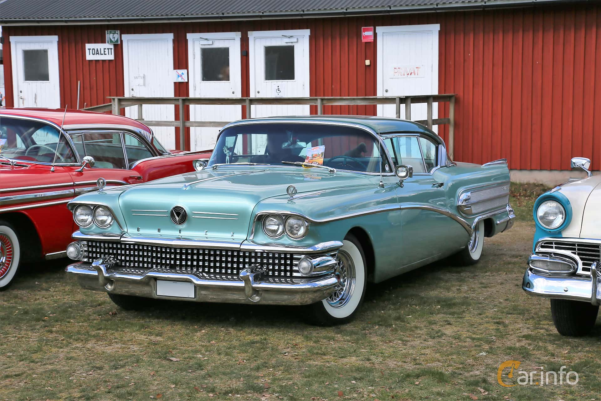 Front/Side  of Buick Super 2-door Riviera 6.0 V8 Automatic, 305ps, 1958 at Uddevalla Veteranbilsmarknad Backamo, Ljungsk 2019
