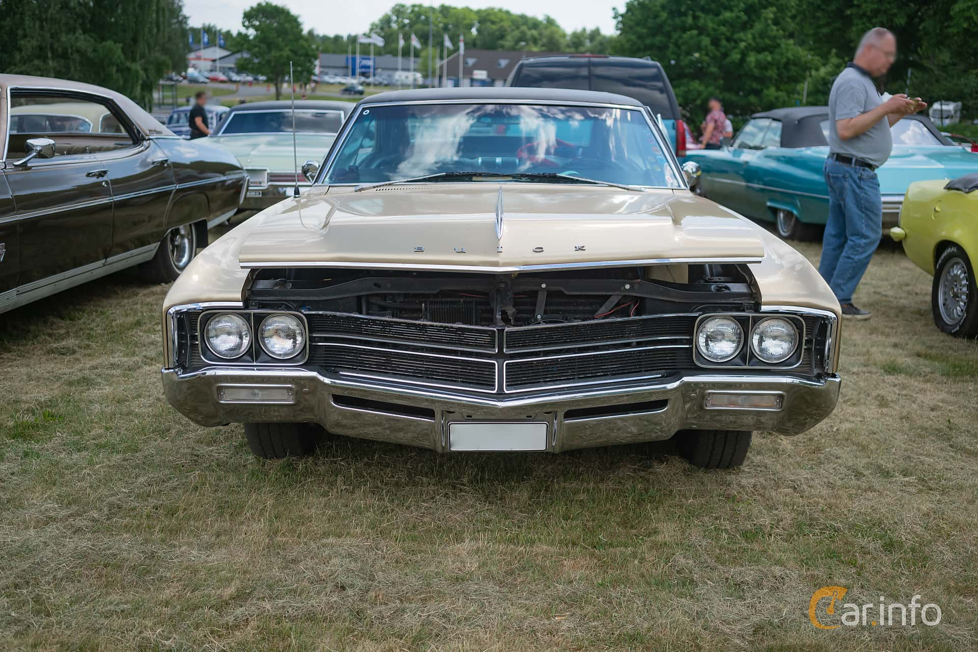 2 Images Of Buick Wildcat Custom Sport Coup 70 V8 Automatic 365hp Door Hardtop Front 365ps 1967 At Hssleholm