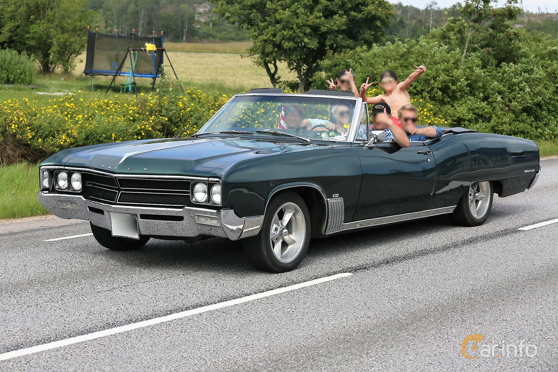 1 images of Buick Wildcat Custom Convertible 7 0 V8