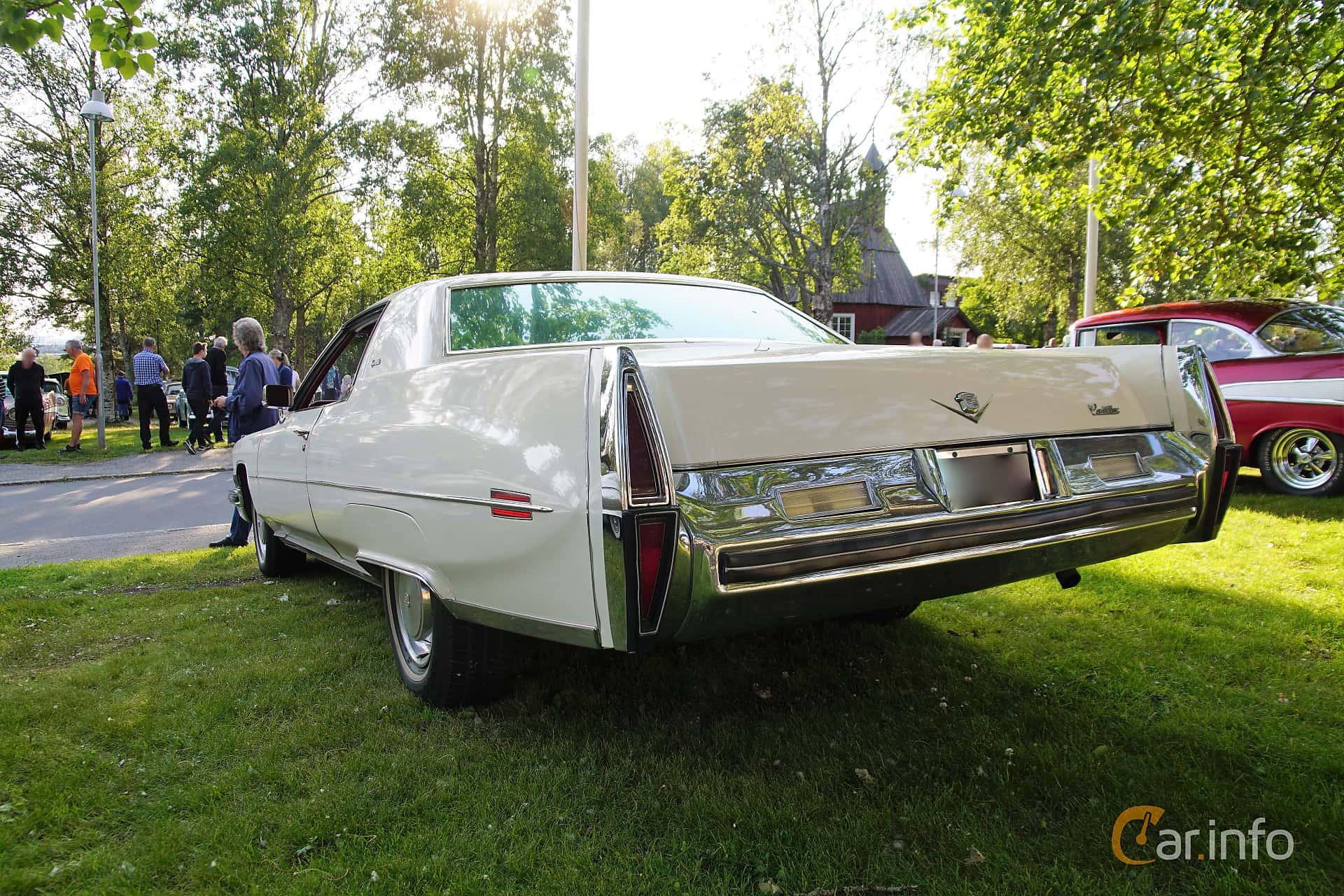 Back/Side of Cadillac Coupé de Ville 7.7 V8 OHV Hydra-Matic, 223ps, 1973 at Onsdagsträffar på Gammlia Umeå 2019 vecka 28