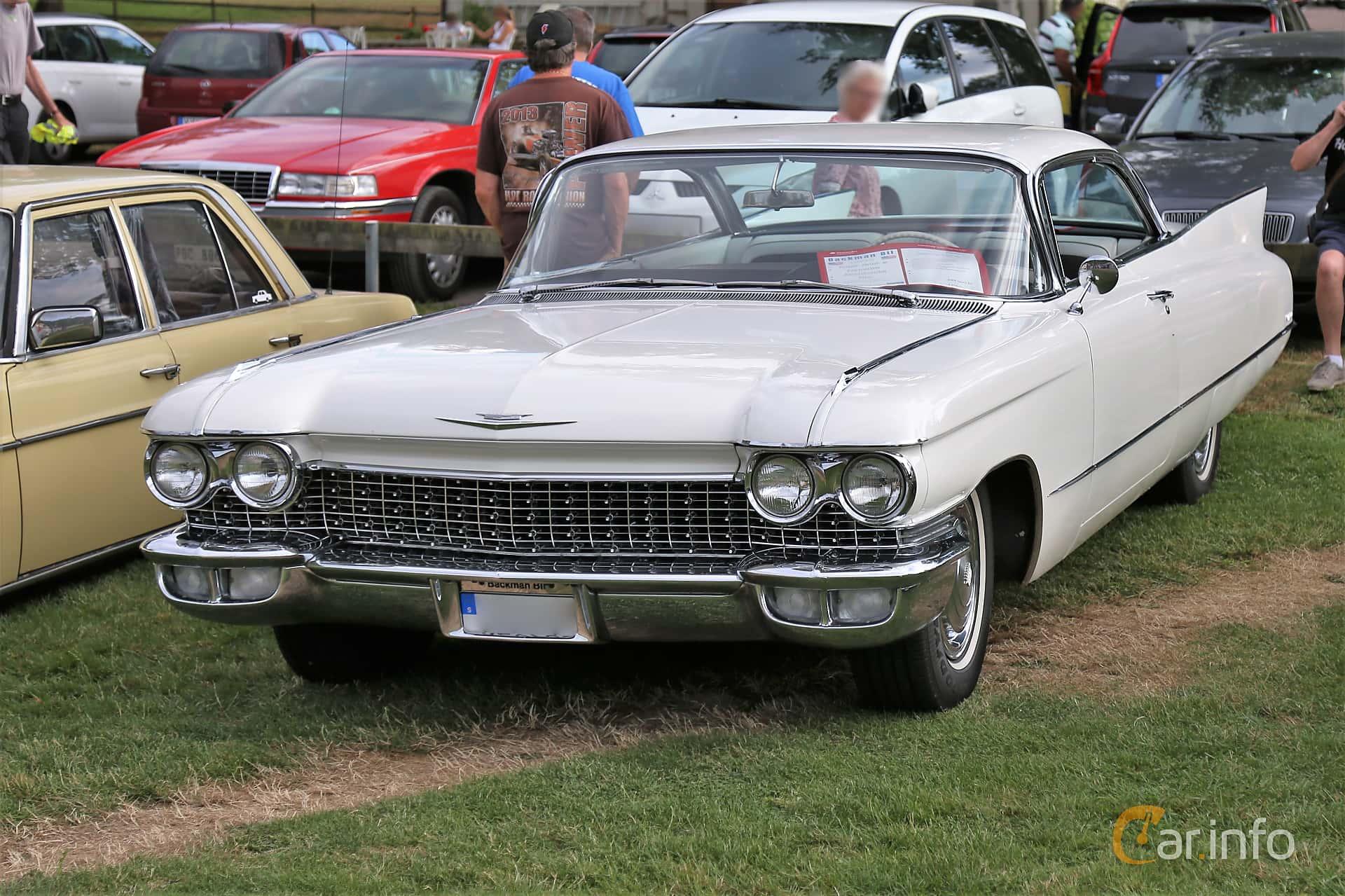 Cadillac Coupé de Ville 6.4 V8 OHV Hydra-Matic, 349hp, 1960 at Kungälvs Kulturhistoriska Fordonsvänner  2019 Torsdag vecka 31