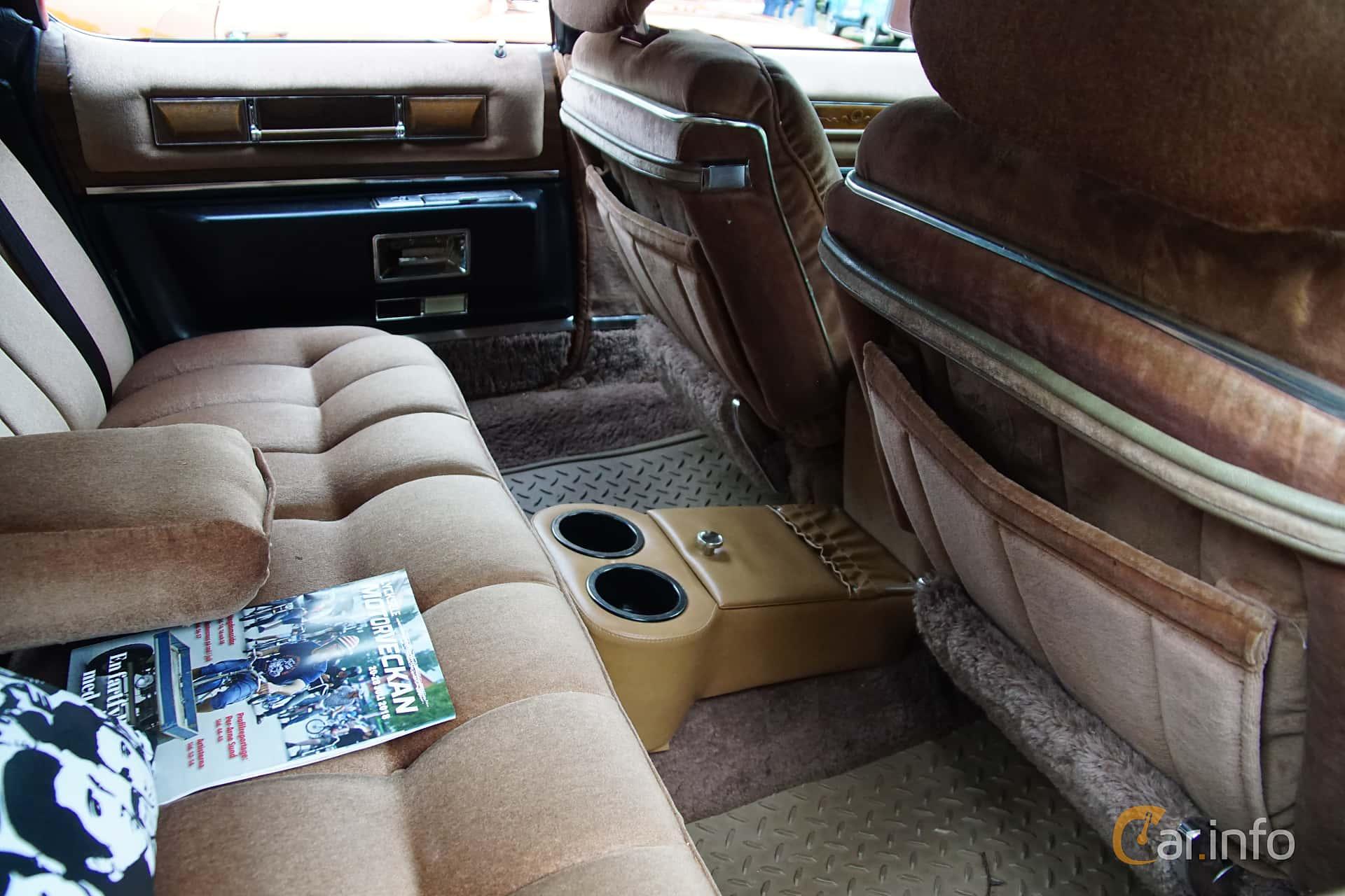 Interior Of Cadillac Fleetwood Brougham 8 2 V8 Ohv Hydra Matic