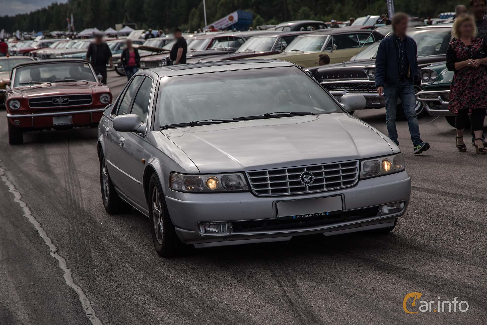 2 Images Of Cadillac Seville Sts 4 6 V8 Automatic 305hp 2000 By Pelle
