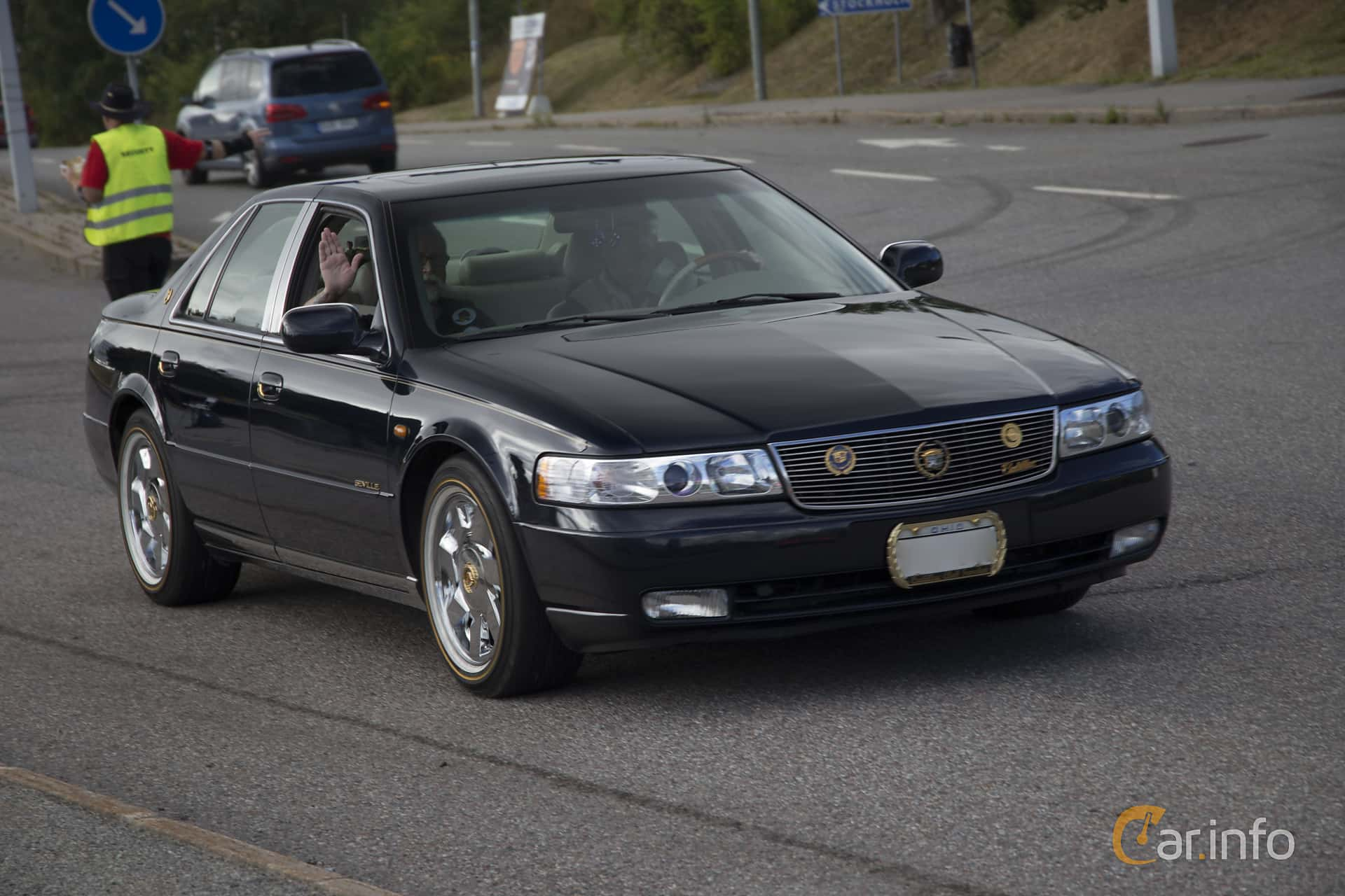 1 Images Of Cadillac Seville Sts 4 6 V8 Automatic 305hp 1999 By Pelle