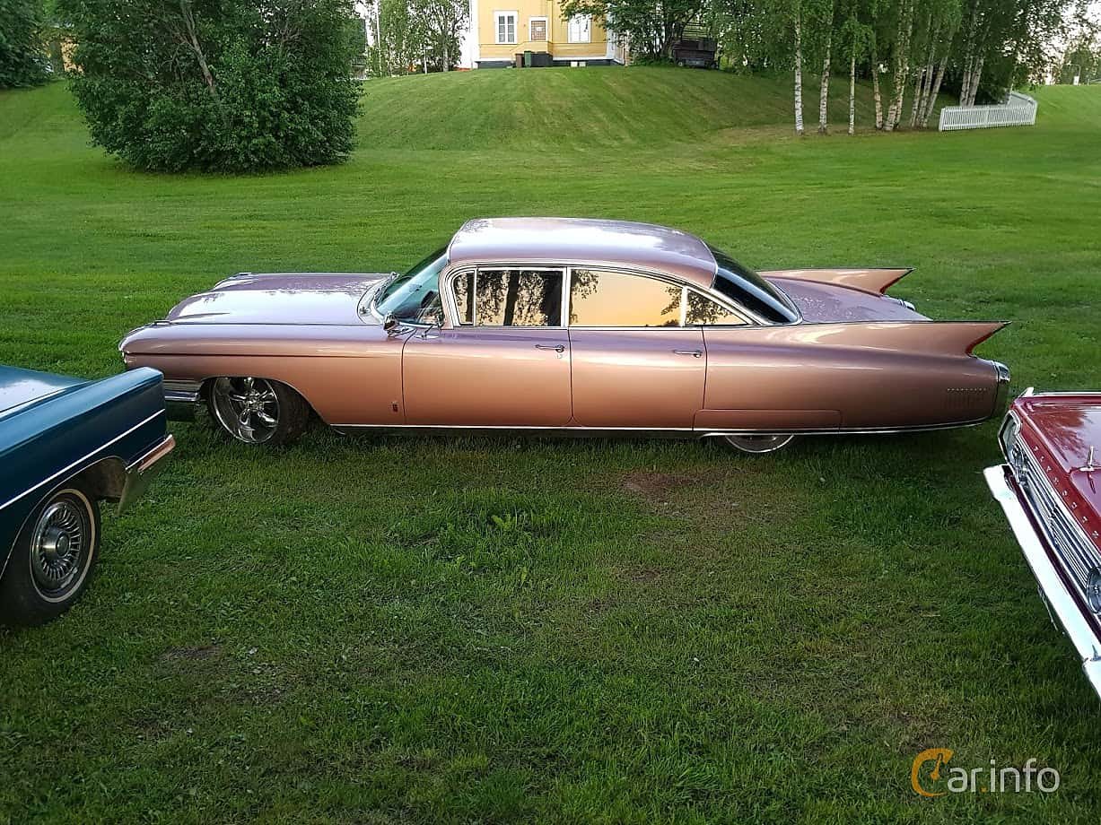 Side  of Cadillac Fleetwood Sixty Special 6.4 V8 OHV Hydra-Matic, 330ps, 1960