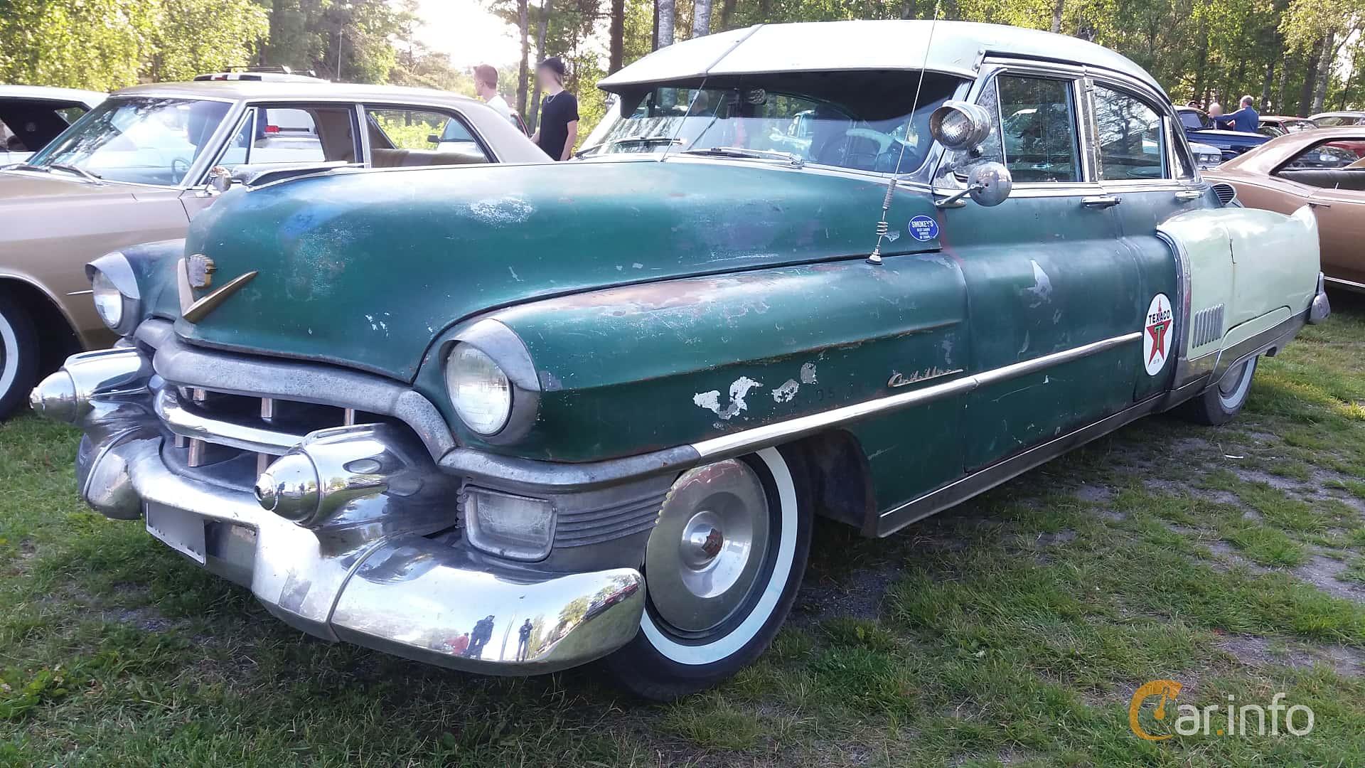 Front/Side  of Cadillac Fleetwood Sixty Special 5.4 V8 Hydra-Matic, 213ps, 1953 at Onsdagsträffar på Gammlia Umeå 2019 vecka 28