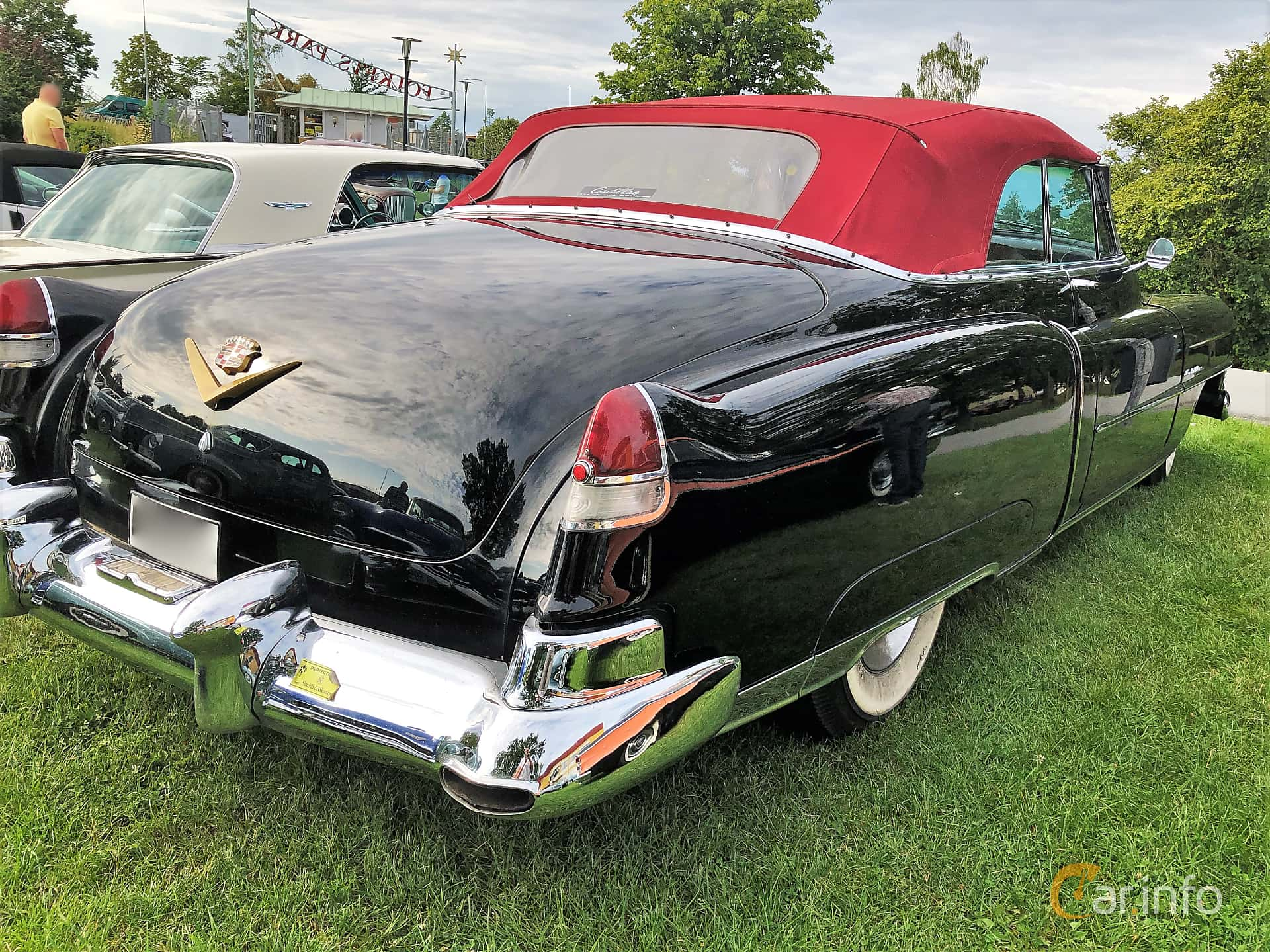 Back/Side of Cadillac Sixty-Two Convertible 5.4 V8 Hydra-Matic, 193ps, 1952 at Bil & MC-träffar i Huskvarna Folkets Park 2019 vecka 32 tema Hot Rods