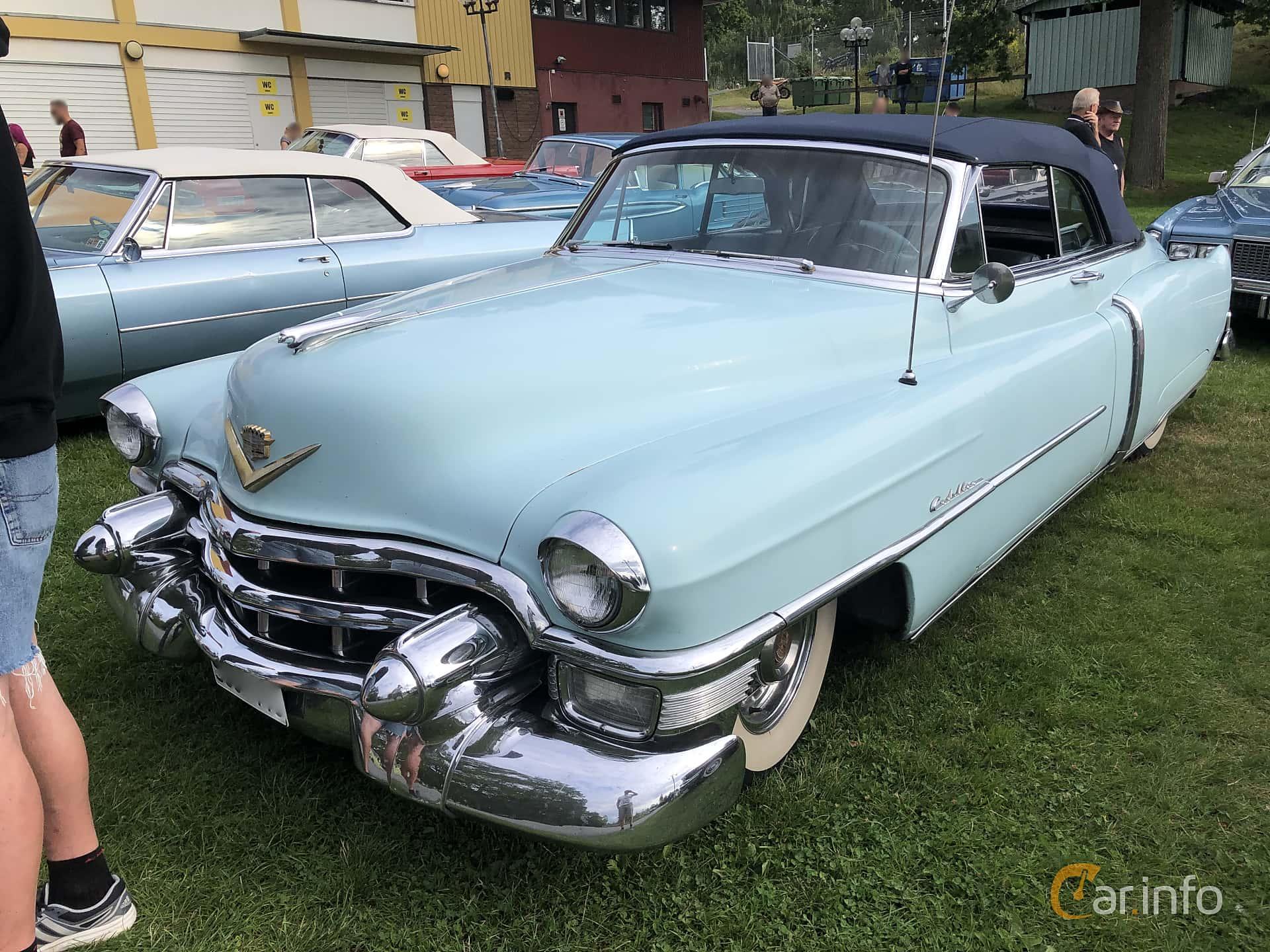 Front/Side  of Cadillac Sixty-Two Convertible 5.4 V8 Hydra-Matic, 213ps, 1953 at Bil & MC-träffar i Huskvarna Folkets Park 2019 vecka 32 tema Hot Rods