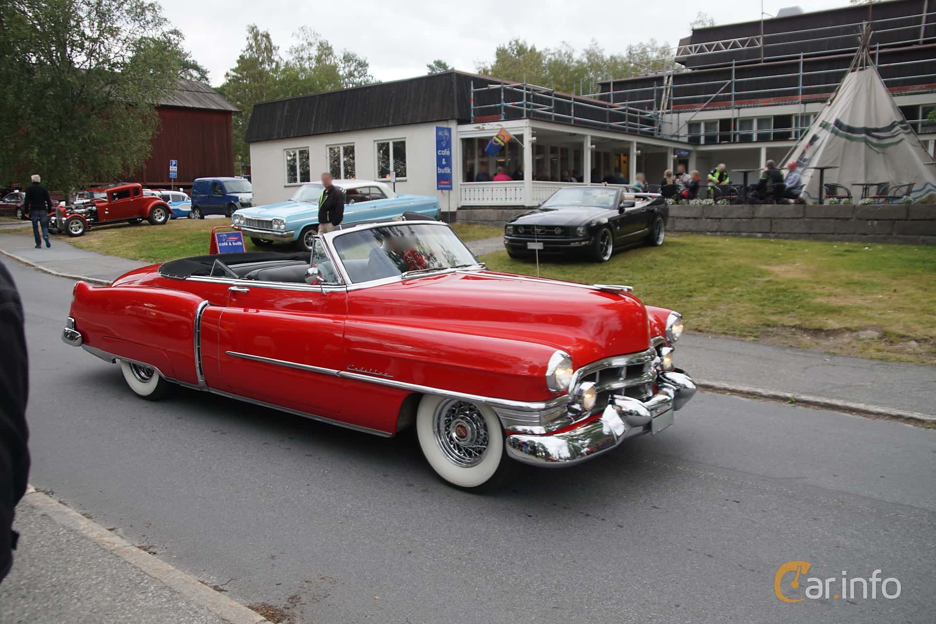 Front/Side  of Cadillac Sixty-Two Convertible 5.4 V8 Hydra-Matic, 193ps, 1952 at Onsdagsträffar på Gammlia Umeå 2019 vecka 32