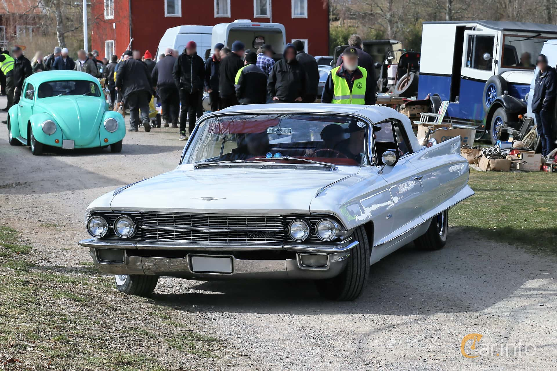 Front/Side  of Cadillac Sixty-Two Convertible Coupé 6.4 V8 OHV Hydra-Matic, 330ps, 1962 at Uddevalla Veteranbilsmarknad Backamo, Ljungsk 2019
