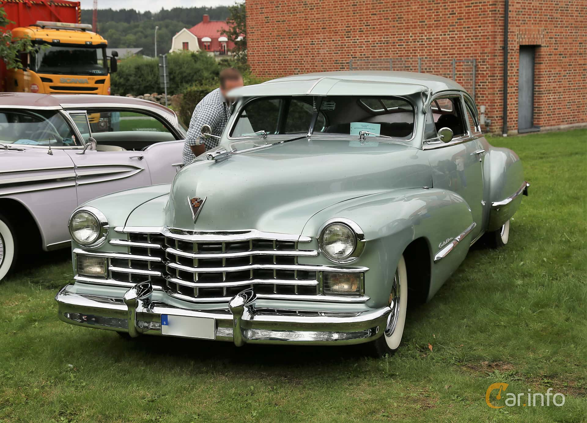 Cadillac Sixty-Two Club Coupé 5.7 V8 Hydra-Matic, 152hp, 1947 at Lödöse motornostalgiska dag 2019