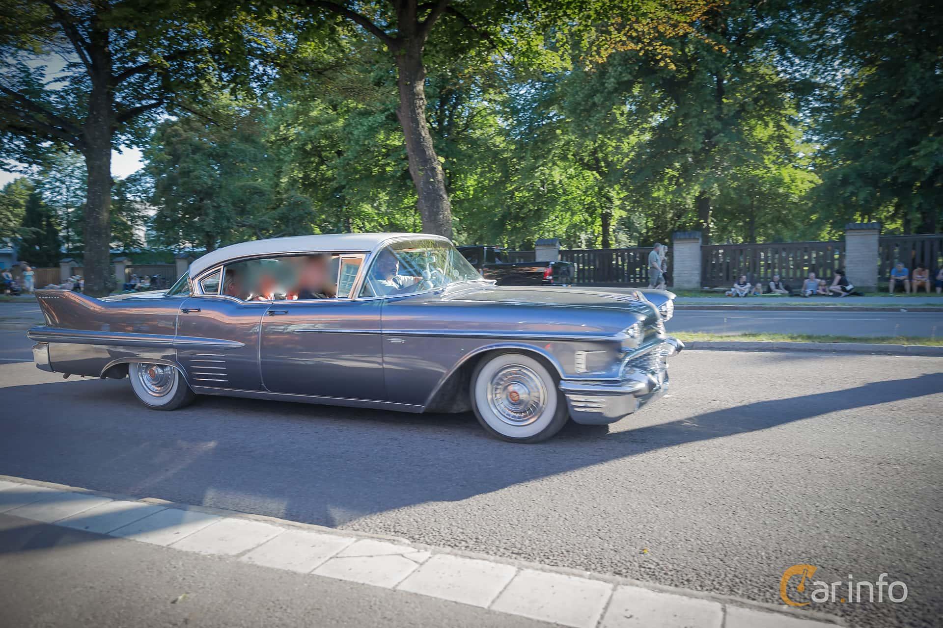 Cadillac Sixty-Two Sedan de Ville 6.0 V8 Automatic, 314hp, 1958 at Power Big Meet 2015