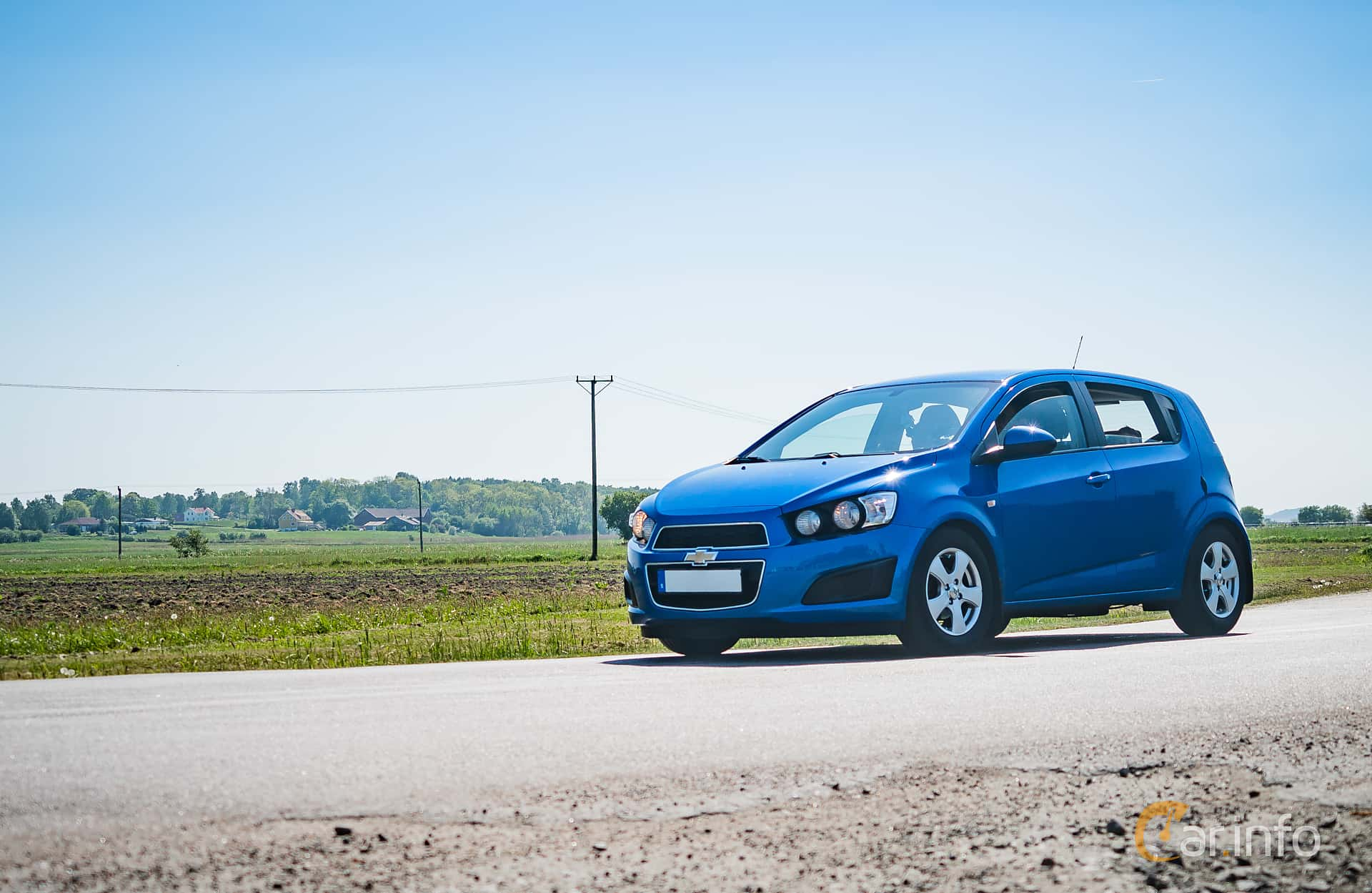 Front/Side  of Chevrolet Aveo 1.2 Manual, 86ps, 2012 at Tjolöholm Classic Motor 2018