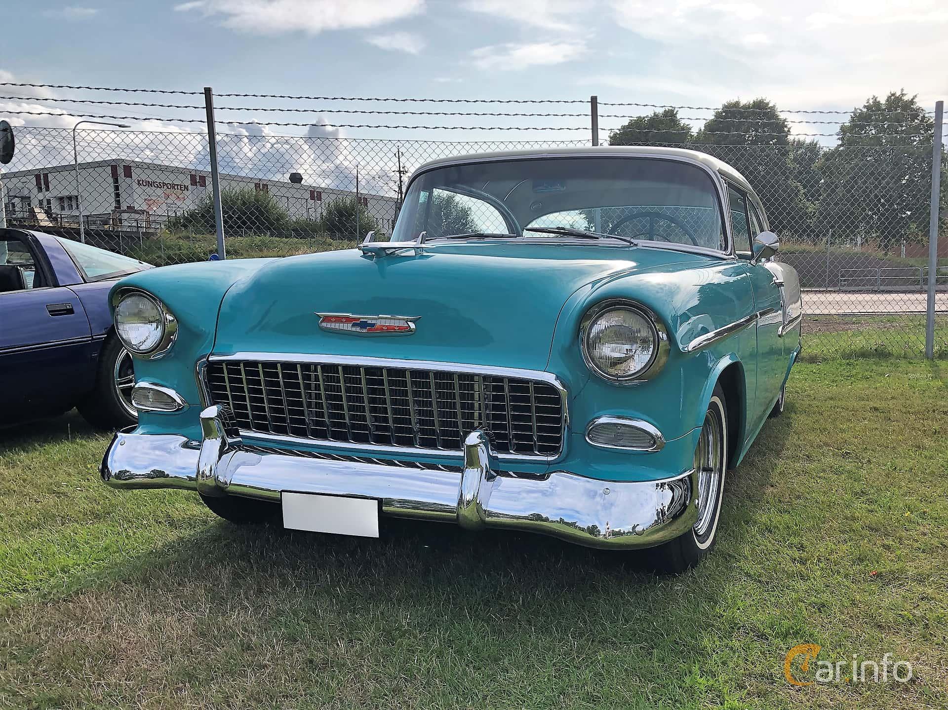 Front/Side  of Chevrolet Bel Air Sport Coupé 4.3 V8 Powerglide, 183ps, 1955 at Bil & MC-träffar i Huskvarna Folkets Park 2019 vecka 32 tema Hot Rods