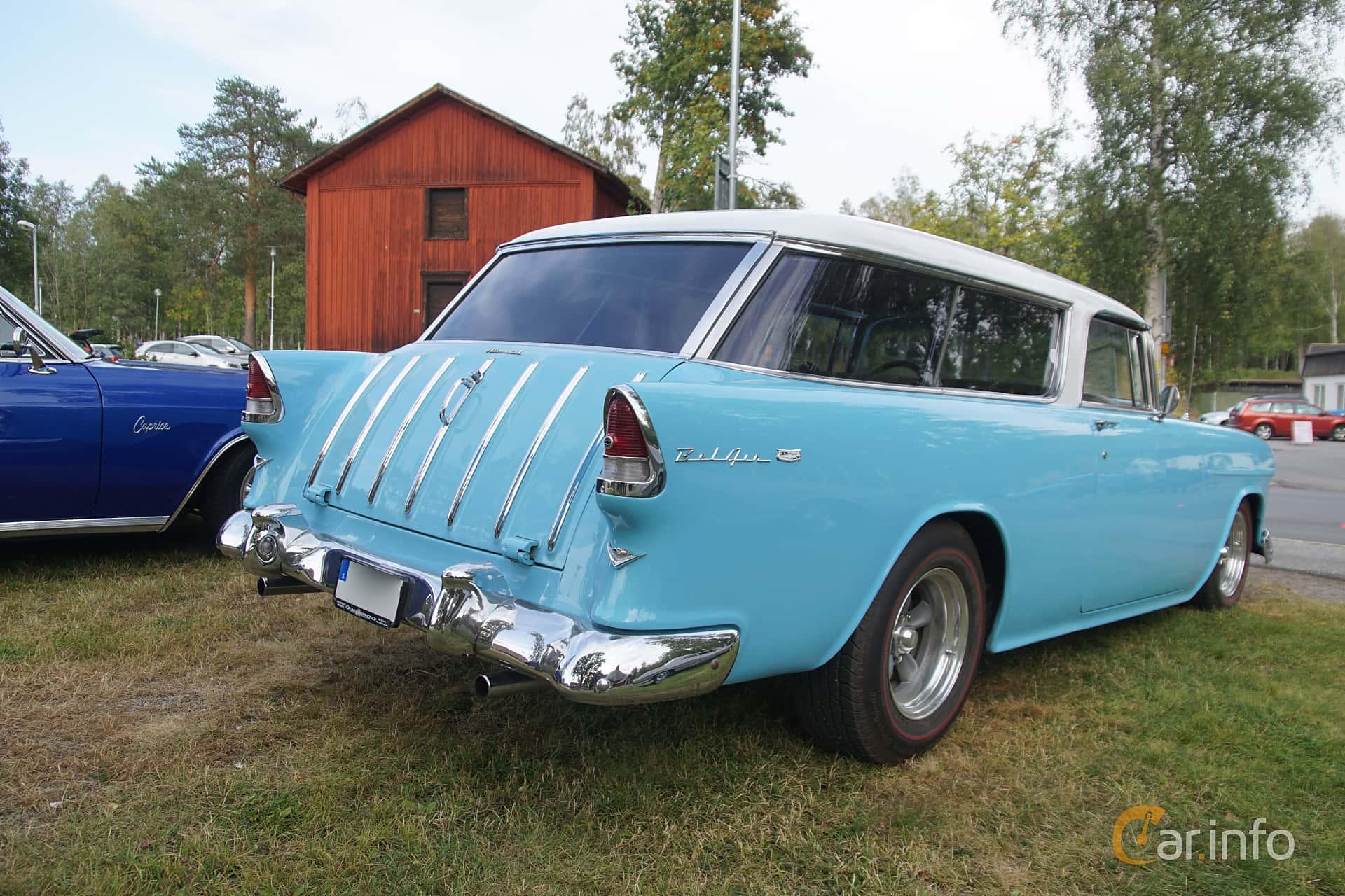Back/Side of Chevrolet Bel Air Nomad 4.3 V8 Powerglide, 165ps, 1955 at Onsdagsträffar på Gammlia Umeå 2019 vecka 32